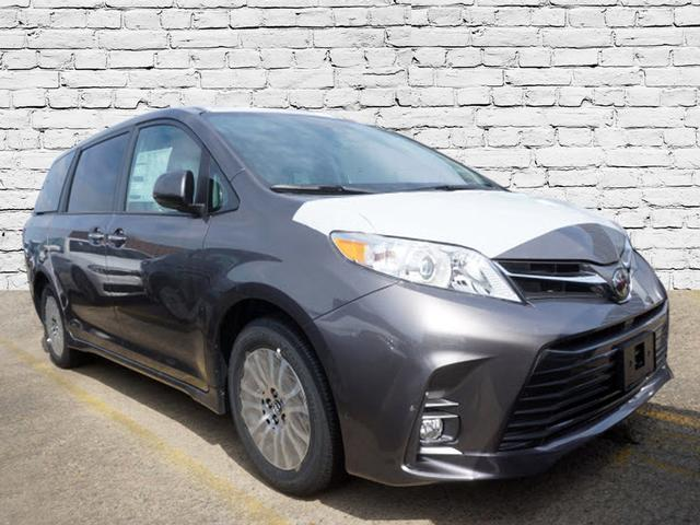 Image of 2019 Toyota Sienna XLE 8-Passenger