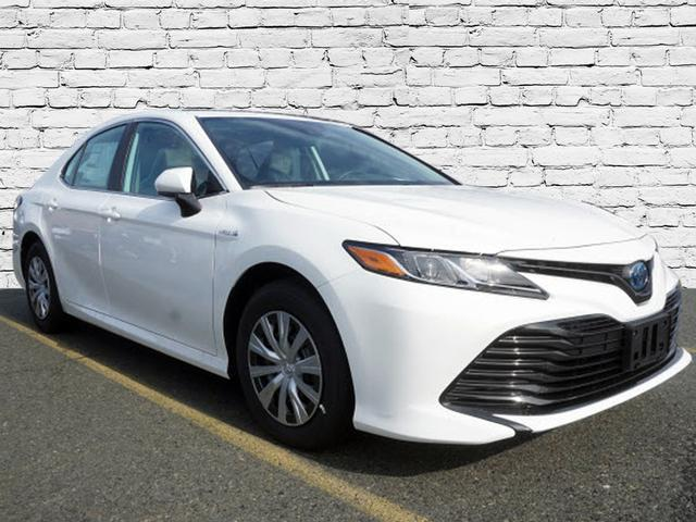 Image of 2019 Toyota Camry Hybrid LE