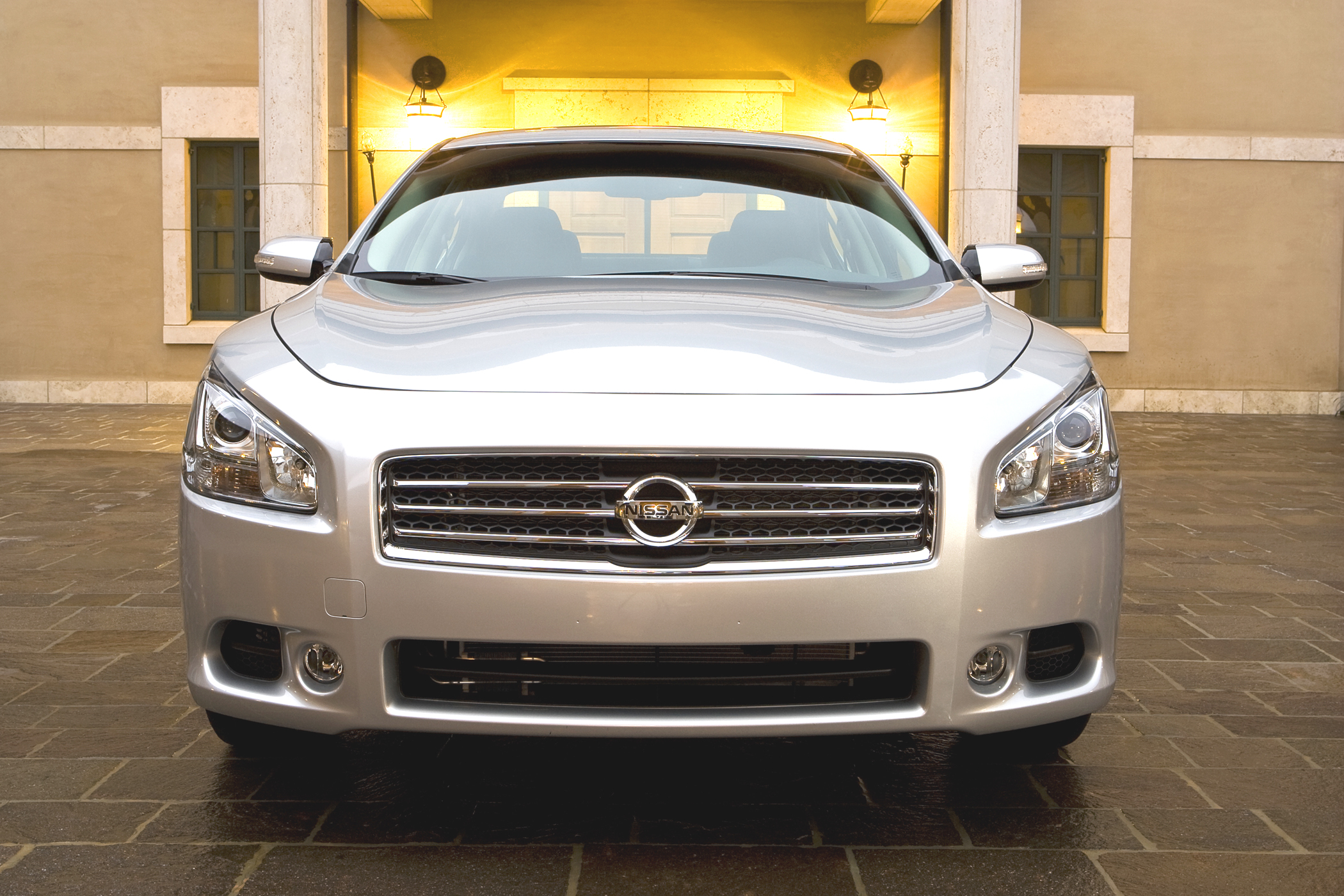 2009 Nissan Maxima may be bucking with the entry luxury