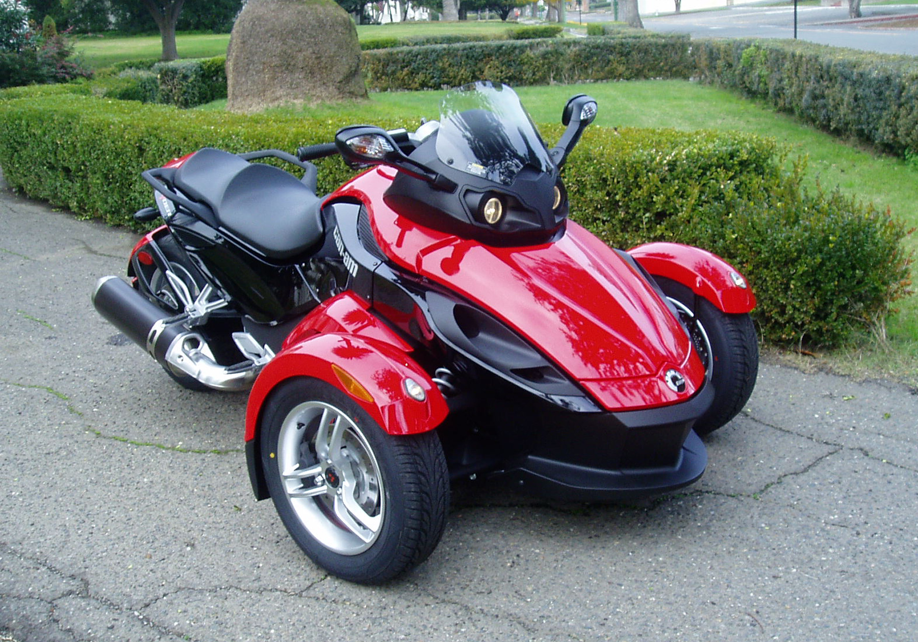 It S A Little Bit Motorcycle Trike And Roadster Is At Least In Spirit Concept Not Really
