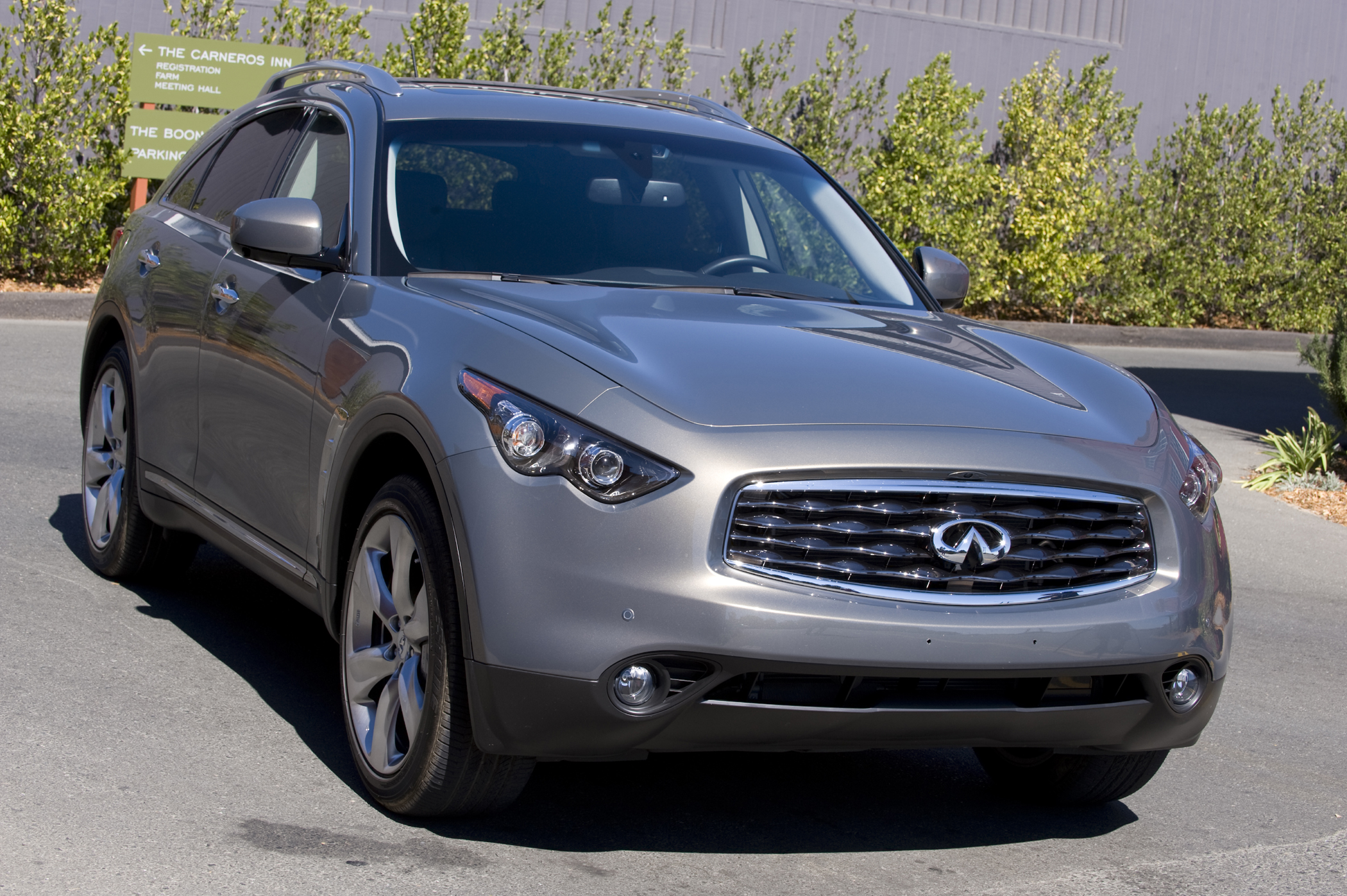 2009 infiniti fx50 a technical and performance statement new the fx50s techy but weird visual cues would serve harrison ford in blade runner but turn your head the right way place it in an epoch before the age of vanachro Image collections