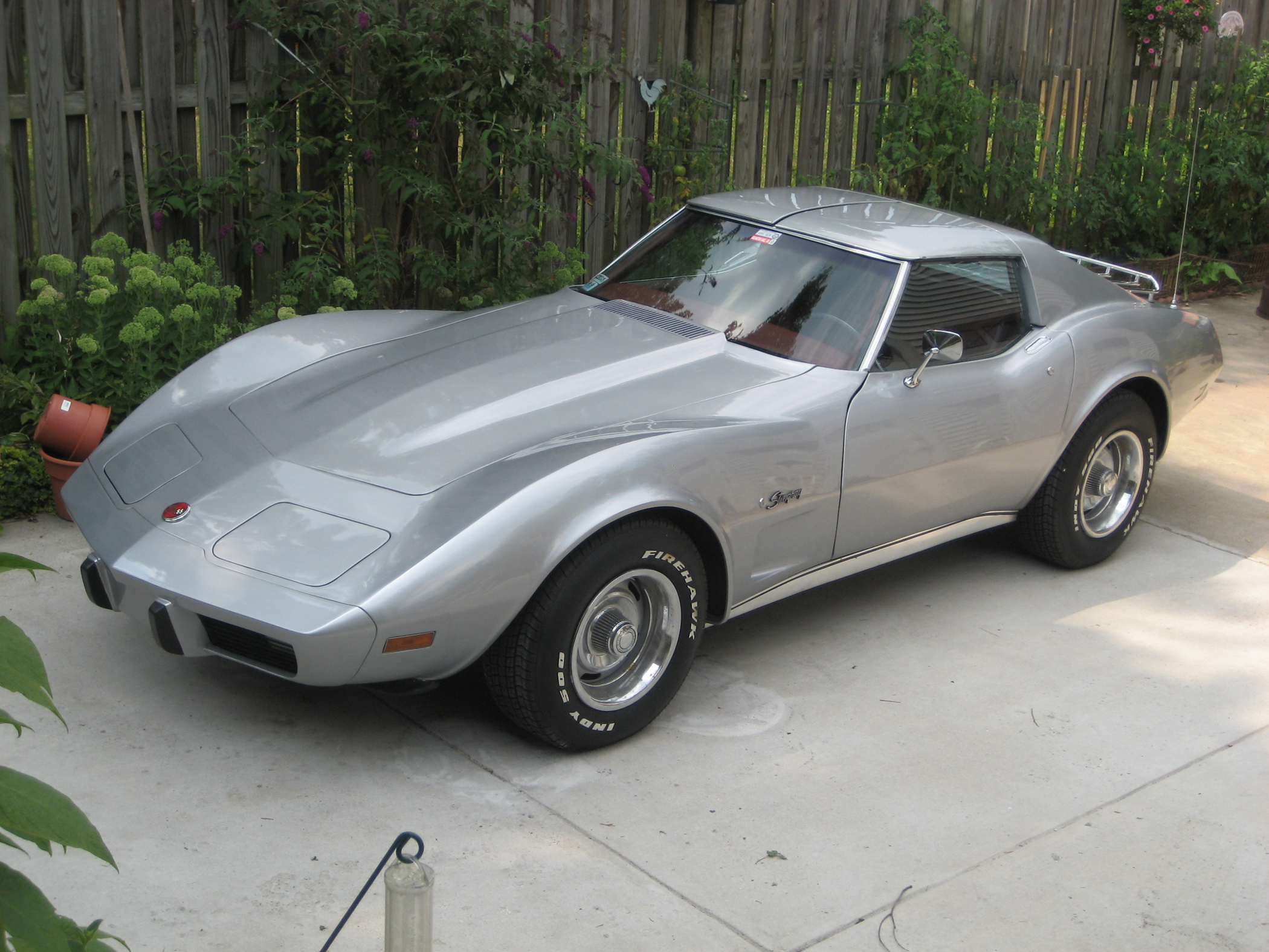 1975 Corvette Takes 19 Years for Traveling Army Man to Restore ...