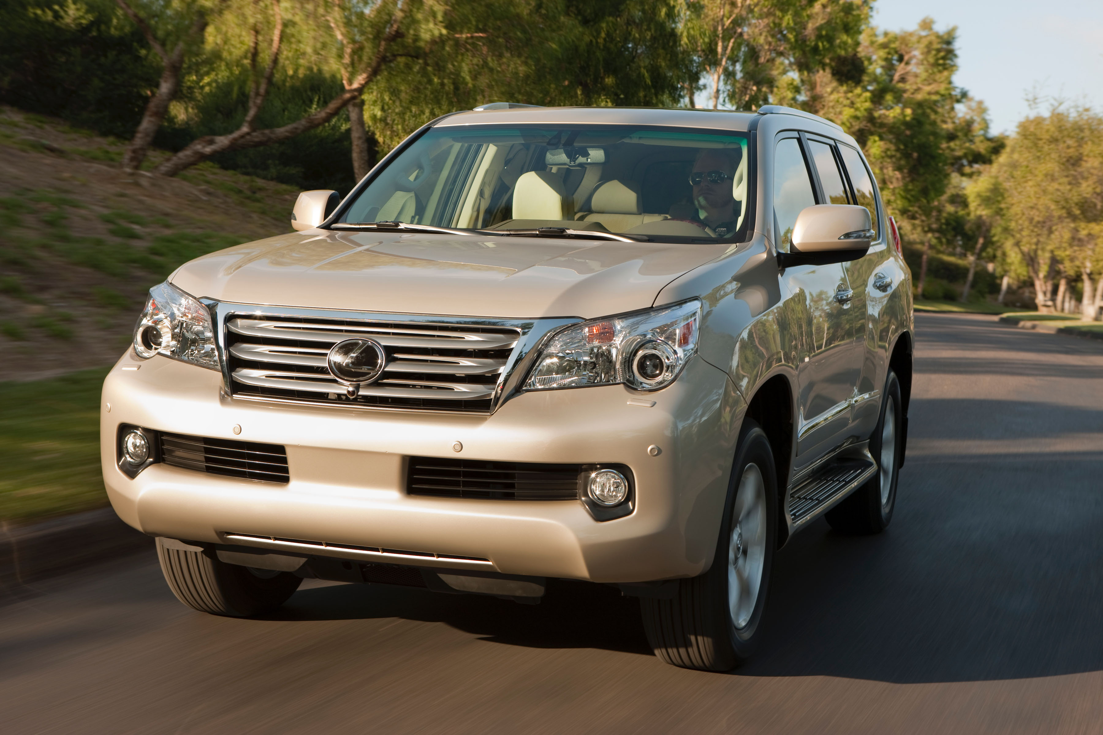 Manufacturer Photo: Lexus GX 460 Achieves 13 Percent Greater Fuel  Efficiency (combined) For