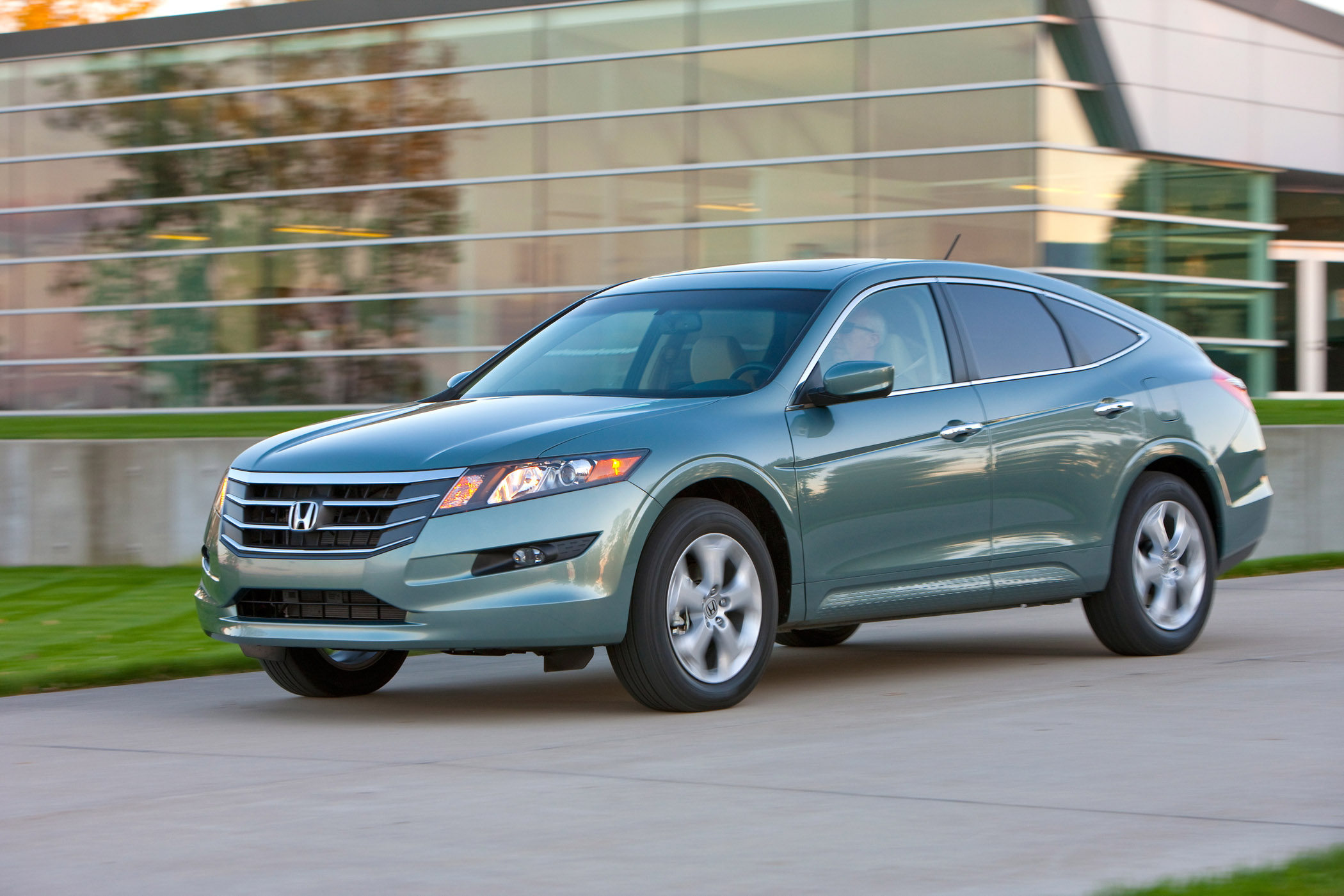 This Accord Is Not A Hybrid Of Motor Parts But Rather Body Types Cross Between Sedan And Utility Vehicle Honda Produces The All New