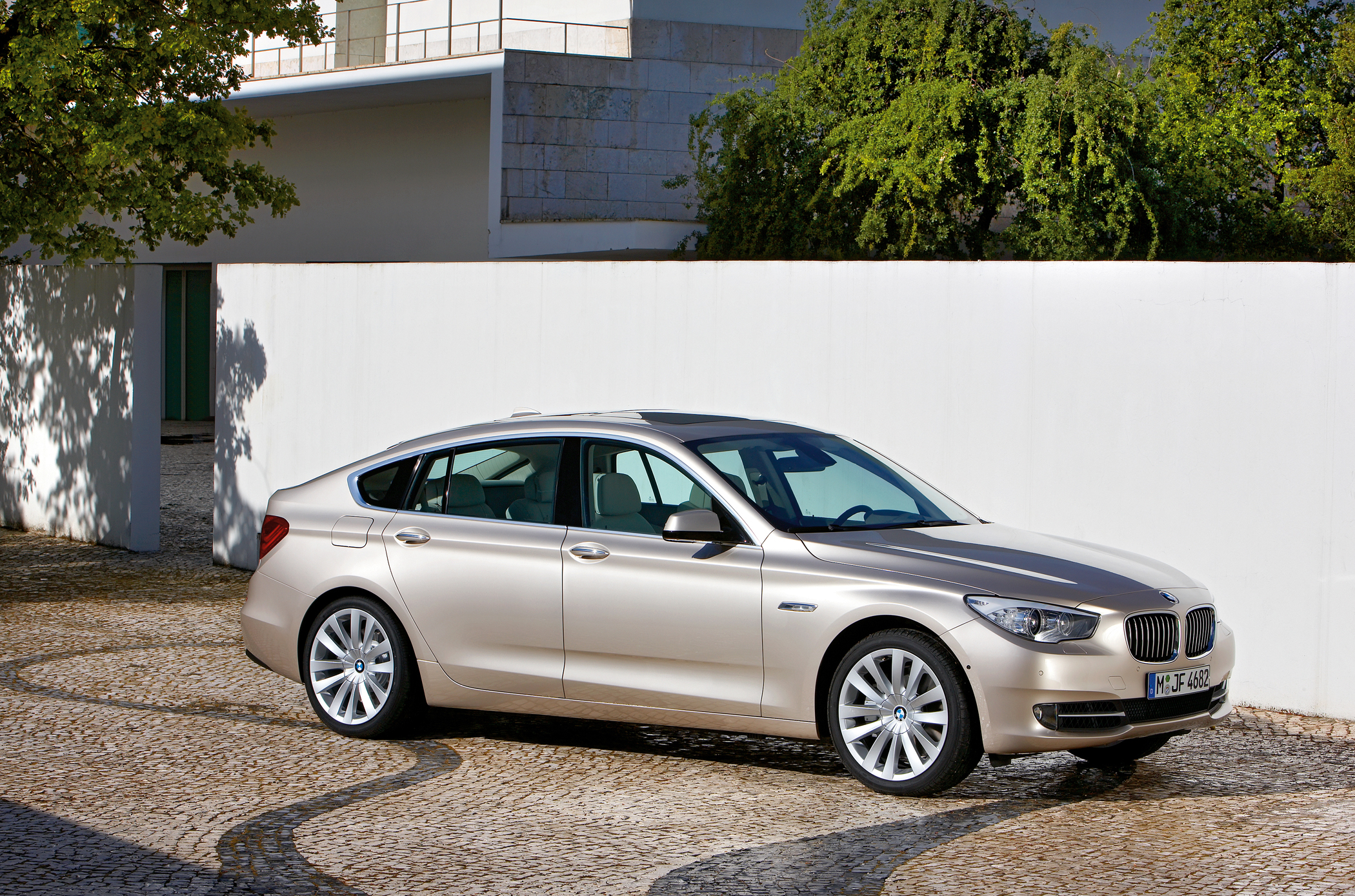 2010 Bmw 5 Series Gt A Blend Of Luxury Practicality Down The Well Todays Gran Turismo Or Carries On This Definition With Style Comfort And Performance
