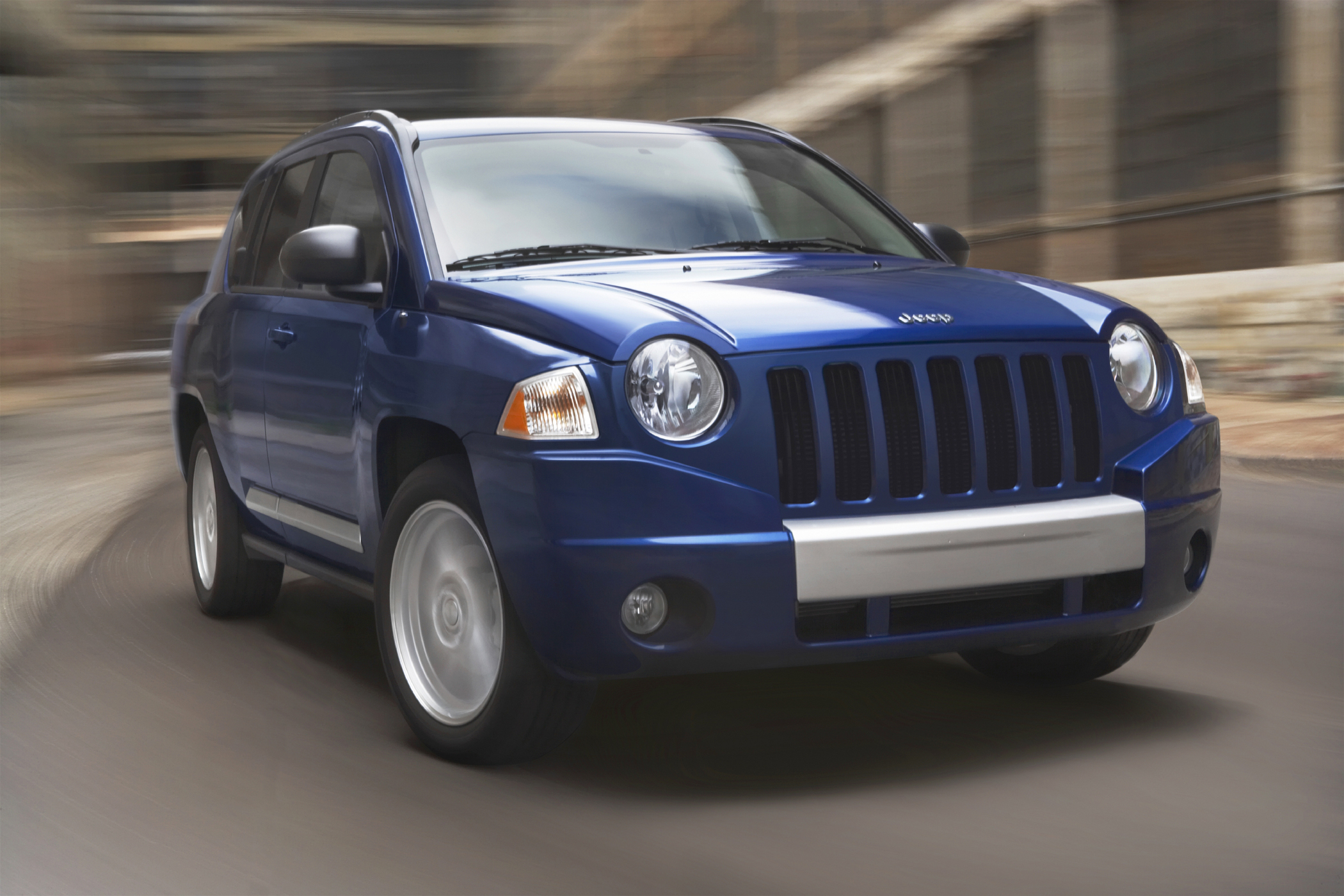 2010 jeep compass is sensible fuel-efficient compact suv - new on