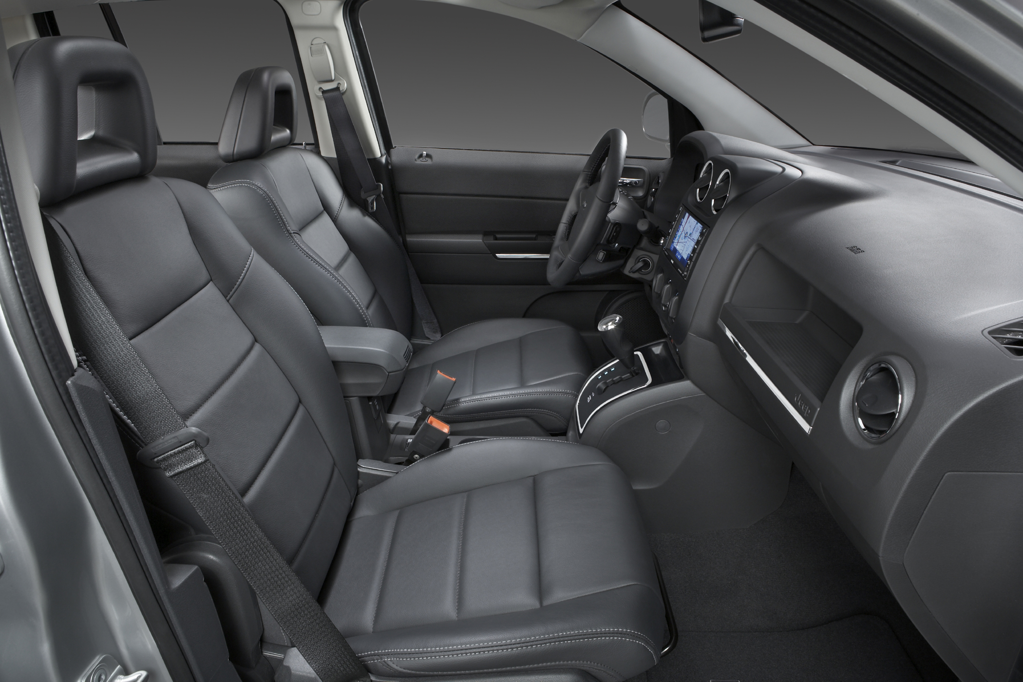 Of Course The Five Penger Comp Being A Jeep Offers Clic Utility Flexibility And Control Command Seating Gives Drivers Confidence Fold Flat