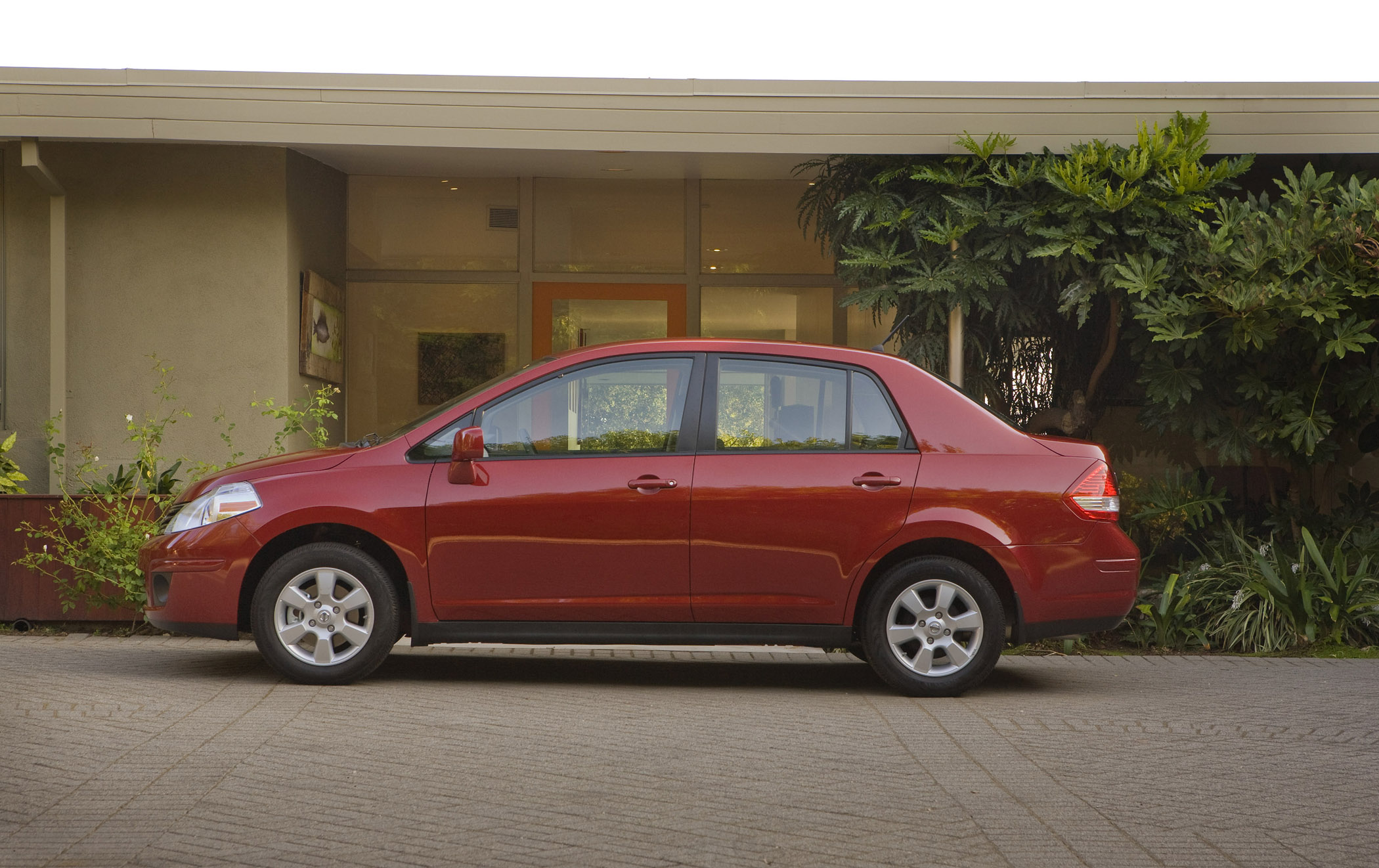 2010 Nissan Versa How To Get The Most From Your Dollars
