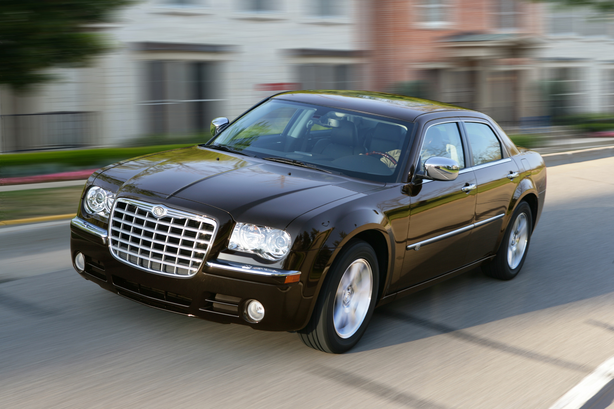 2010 chrysler 300c is large car with big style new on wheels groovecar. Black Bedroom Furniture Sets. Home Design Ideas