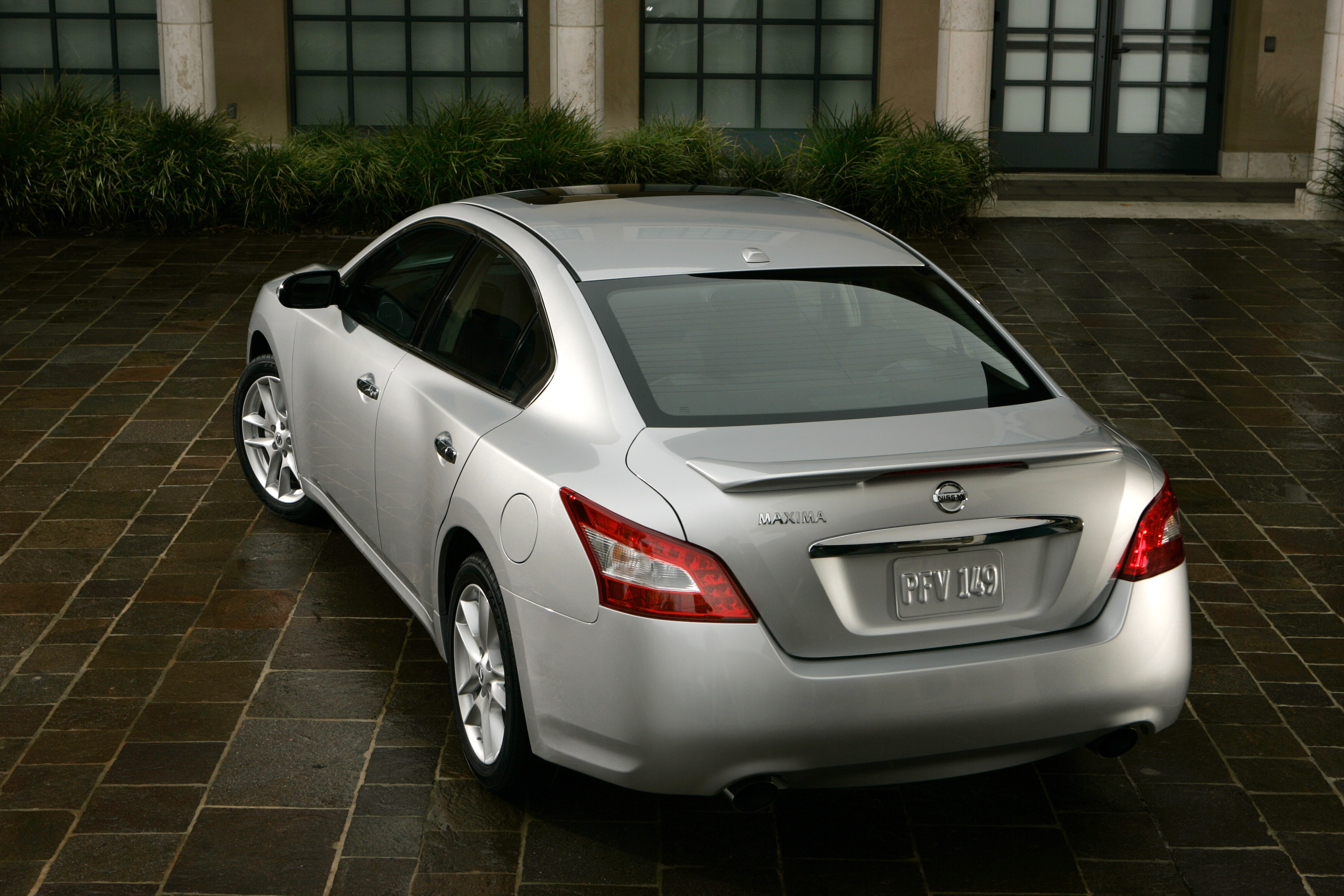 Interestingly, In Overall Interior Passenger Volume The Compact Sentra Has  97.7 Cubic Feet Of Interior Space While The Mid Size Maxima Has Just A Bit  Less ...