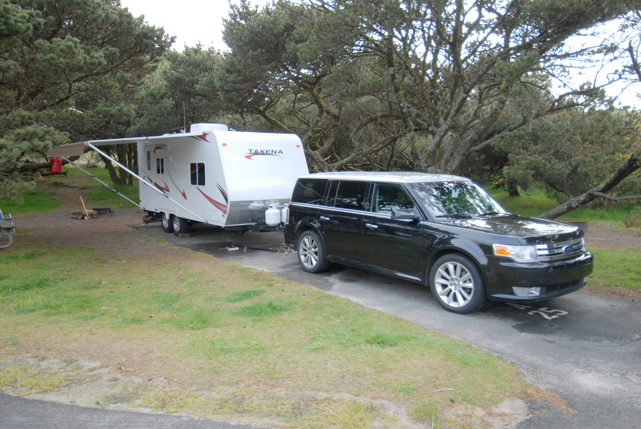 2010 Ford Flex Tows Recreational Vehicle Chalet Takena