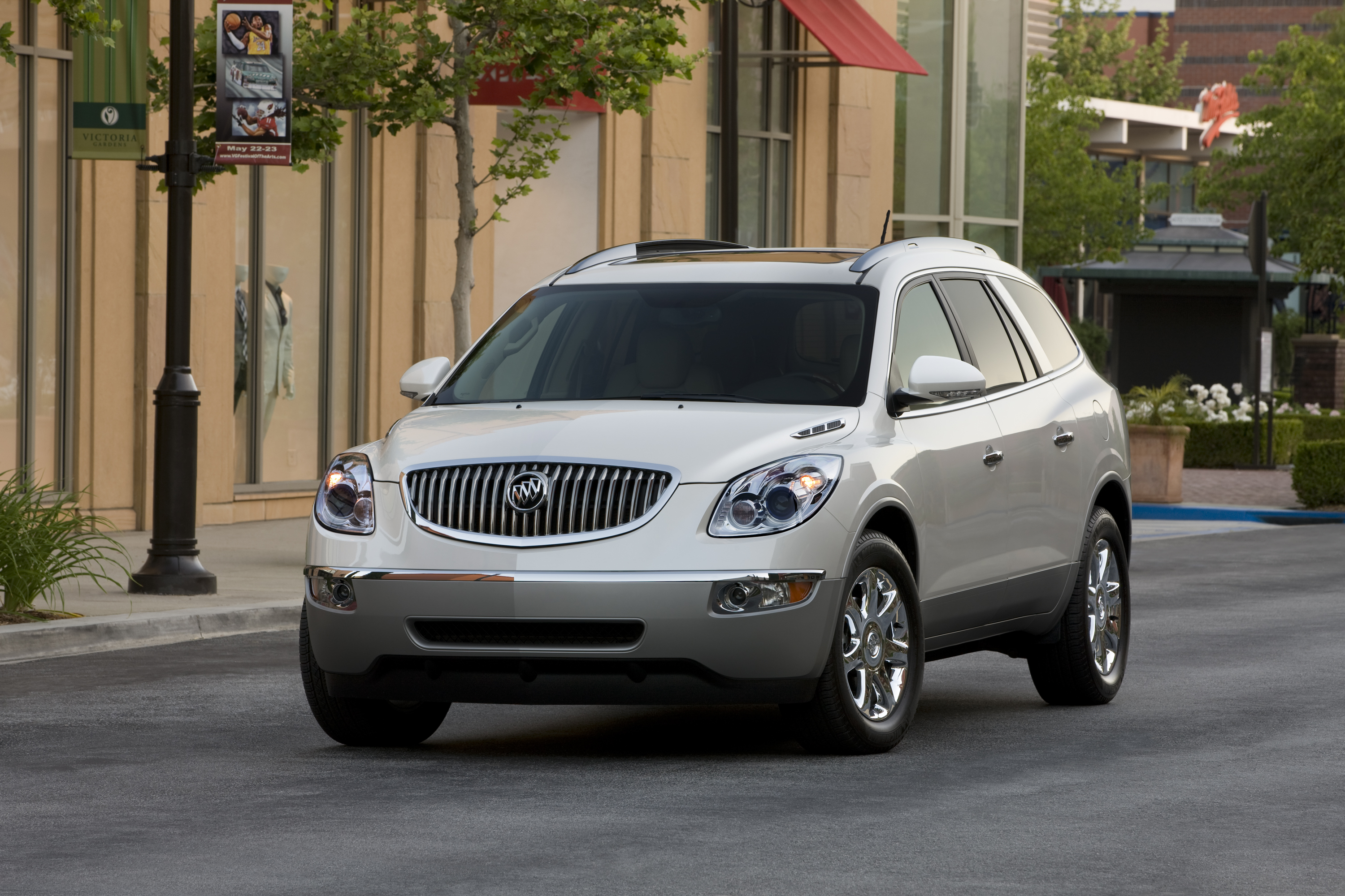 buick the momsncharge kids moms a from enclave her n and suv charge review mom car