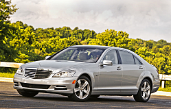 Mercedes-Benz Flagship S-Class is Eco-Chic with 2011 Hybrid