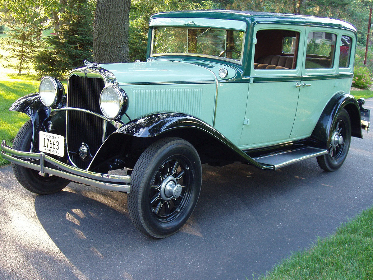 1931 Dodge in Shootout with American Gangster John Dillinger ...