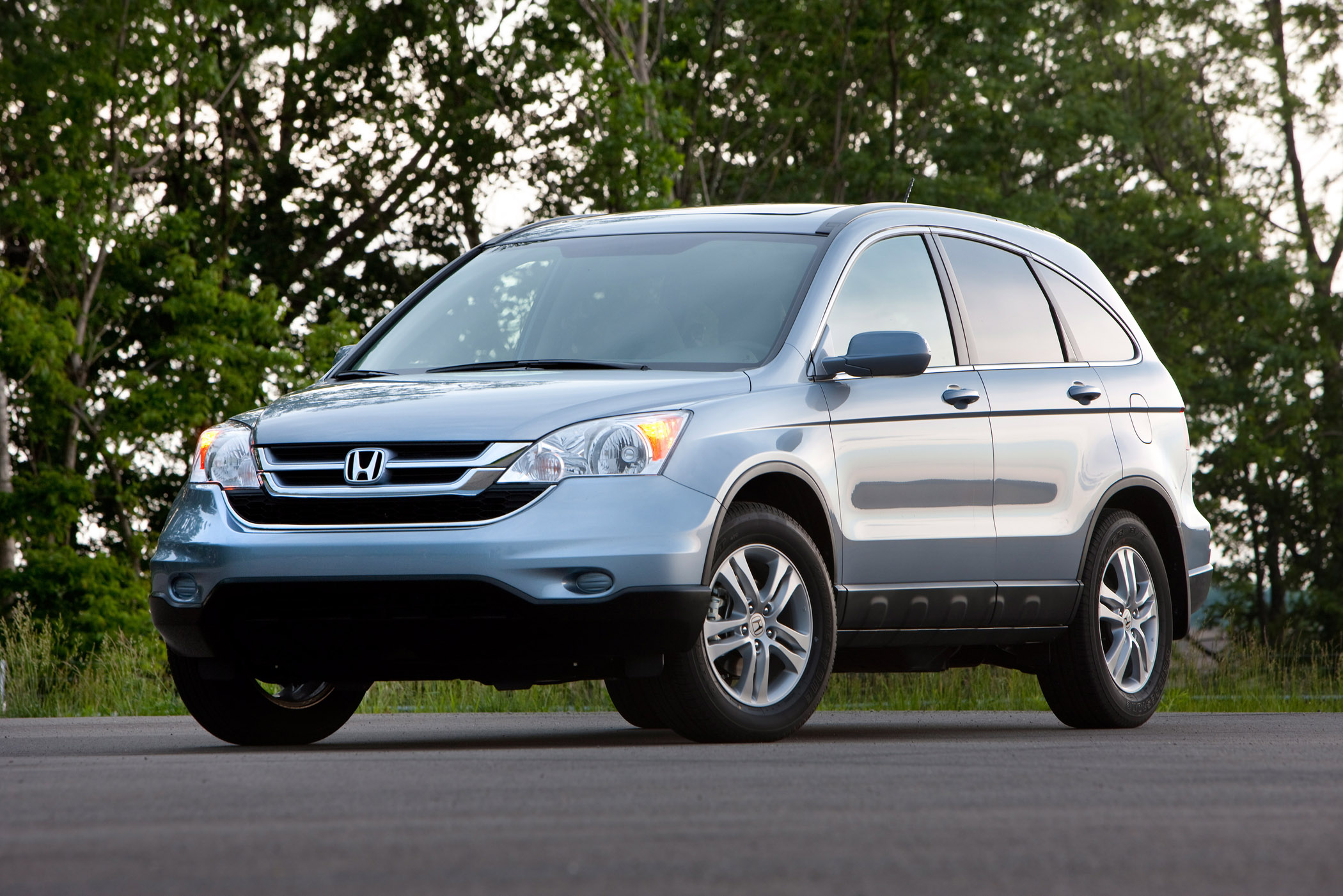 Manufacturer photo: The 2011 Honda CR-V provides an accommodating crossover SUV package with space for up to five passengers and a versatile cargo area for utility