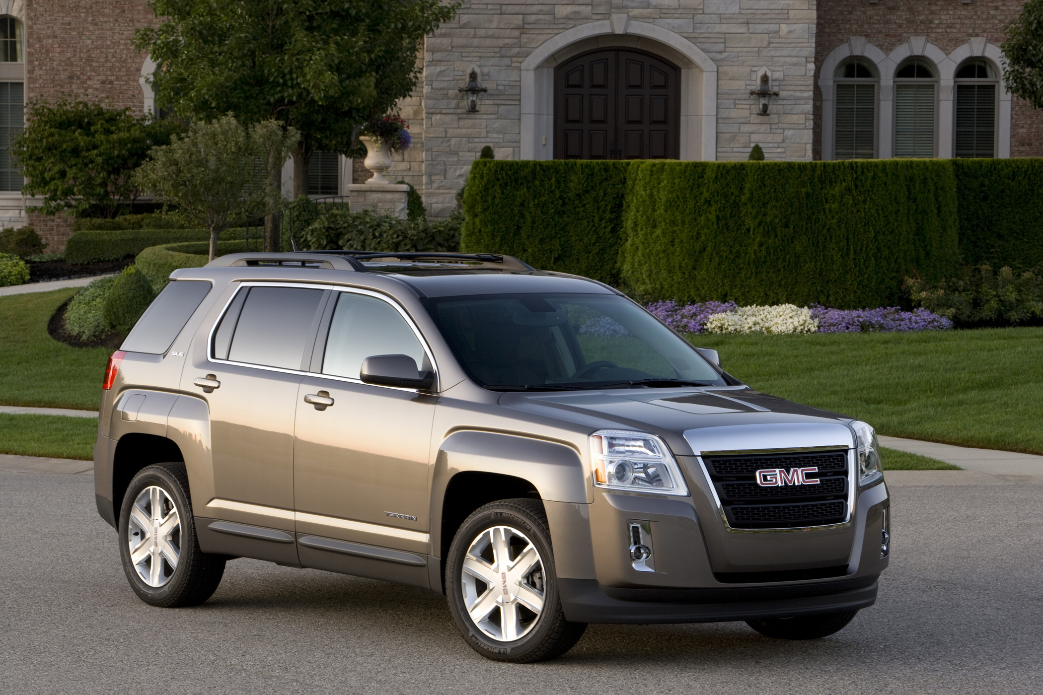 2012 Gmc Terrain Standout In Fuel Efficiency In Suv Class Get Off The Road Groovecar