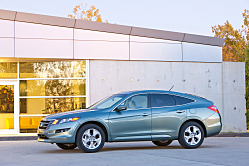 The Clever Crossover Utility Vehicle -- Honda's Crosstour