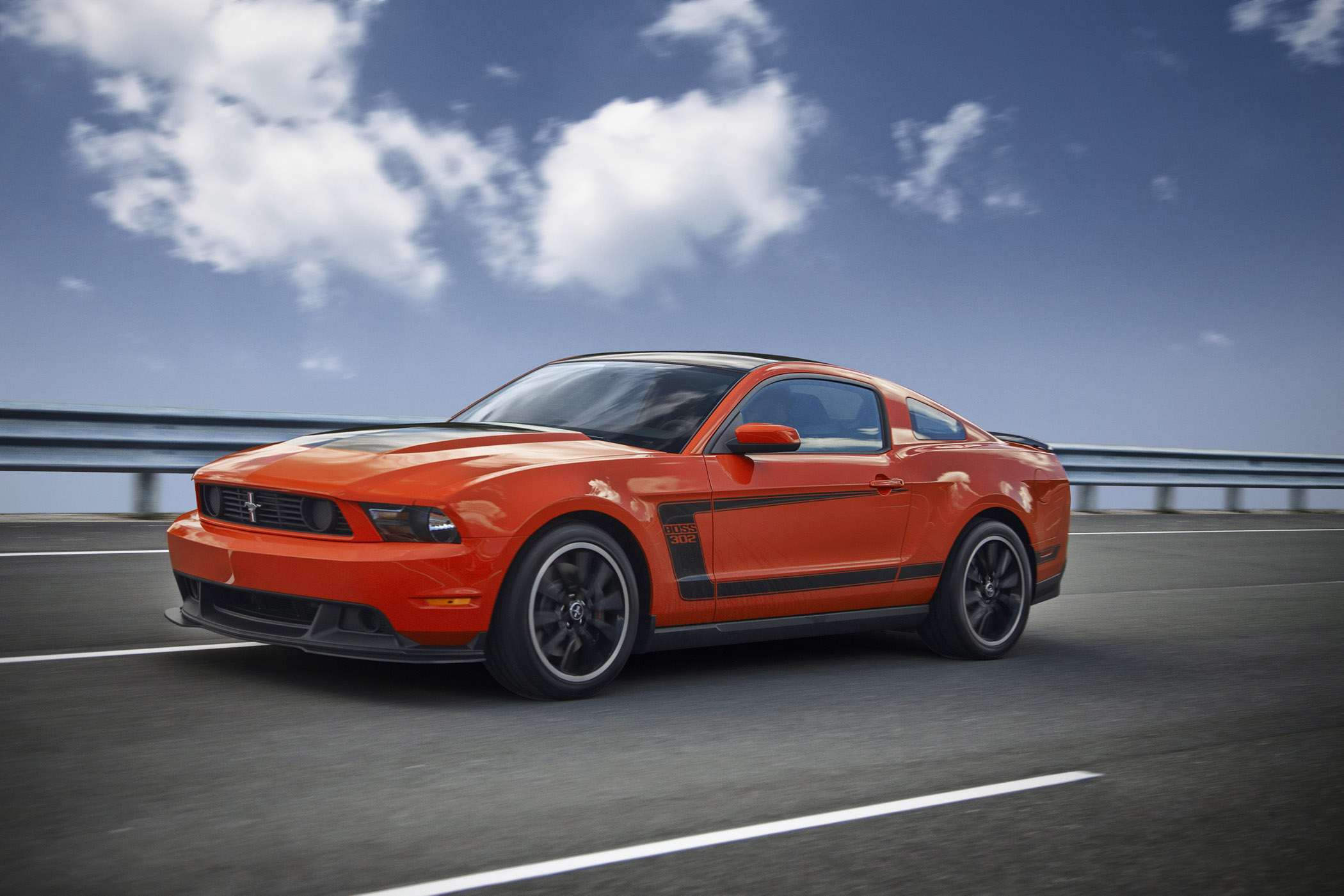 ford mustang boss 302 the legend returns for 2012 new on wheels groovecar. Black Bedroom Furniture Sets. Home Design Ideas