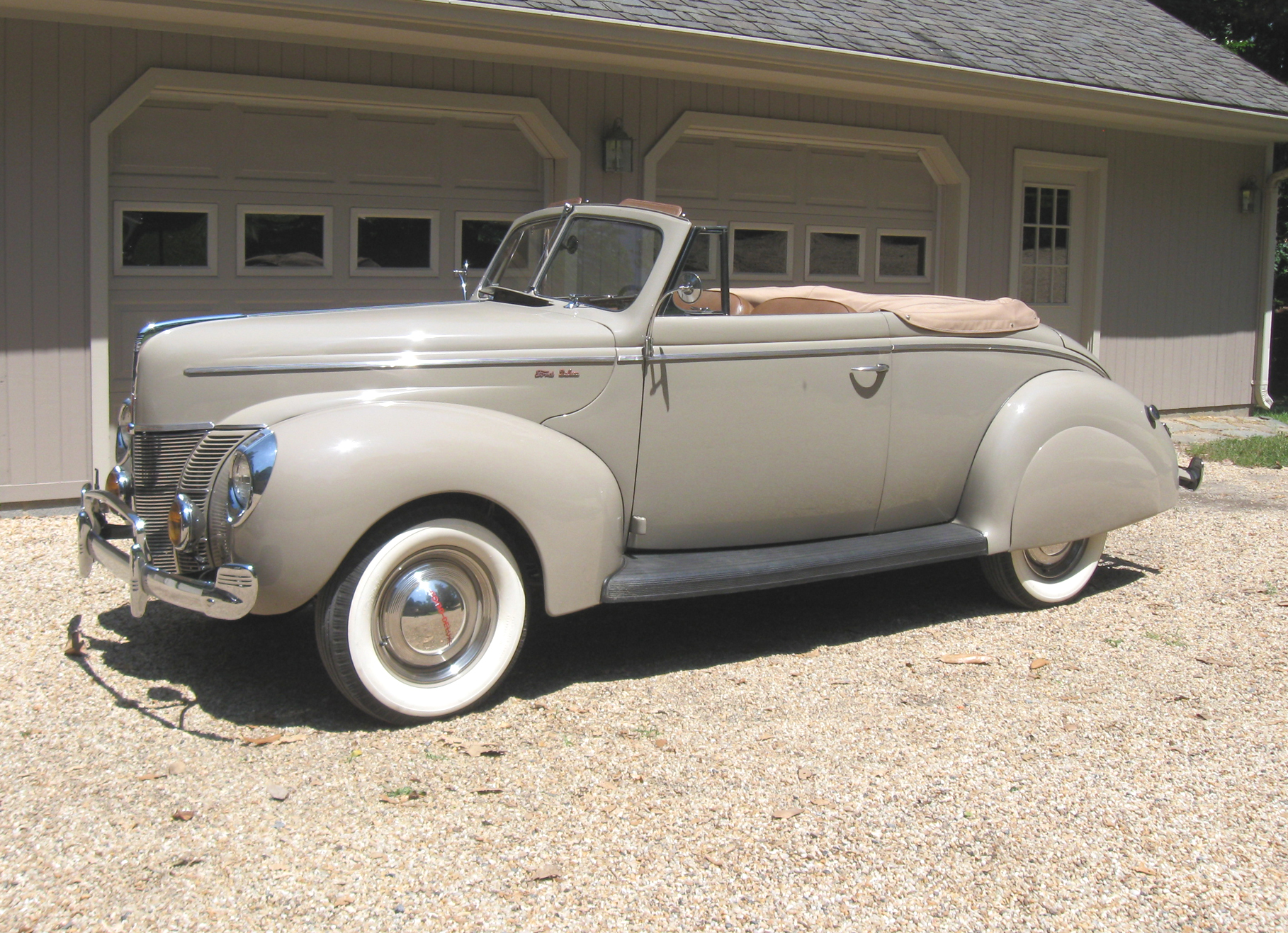 1940 Ford Convertible Coupe Powered By 85 Hp V 8 Classic Classics Groovecar