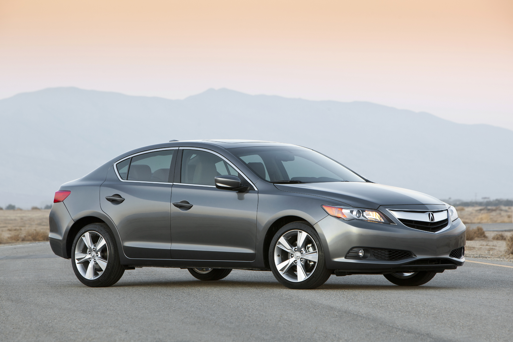 2013 acura ilx designed for the starter buyer new on wheels