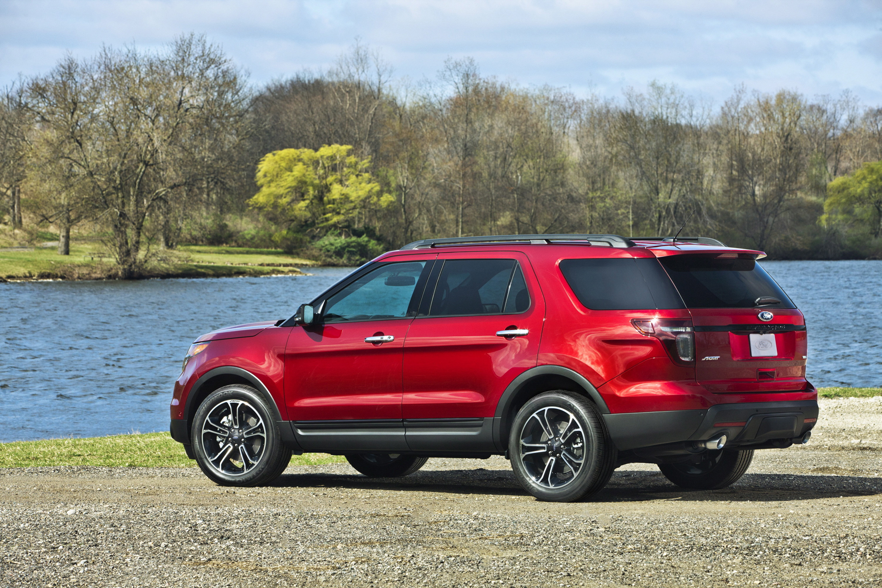 high performance suv 2013 ford explorer sport new on wheels groovecar. Black Bedroom Furniture Sets. Home Design Ideas