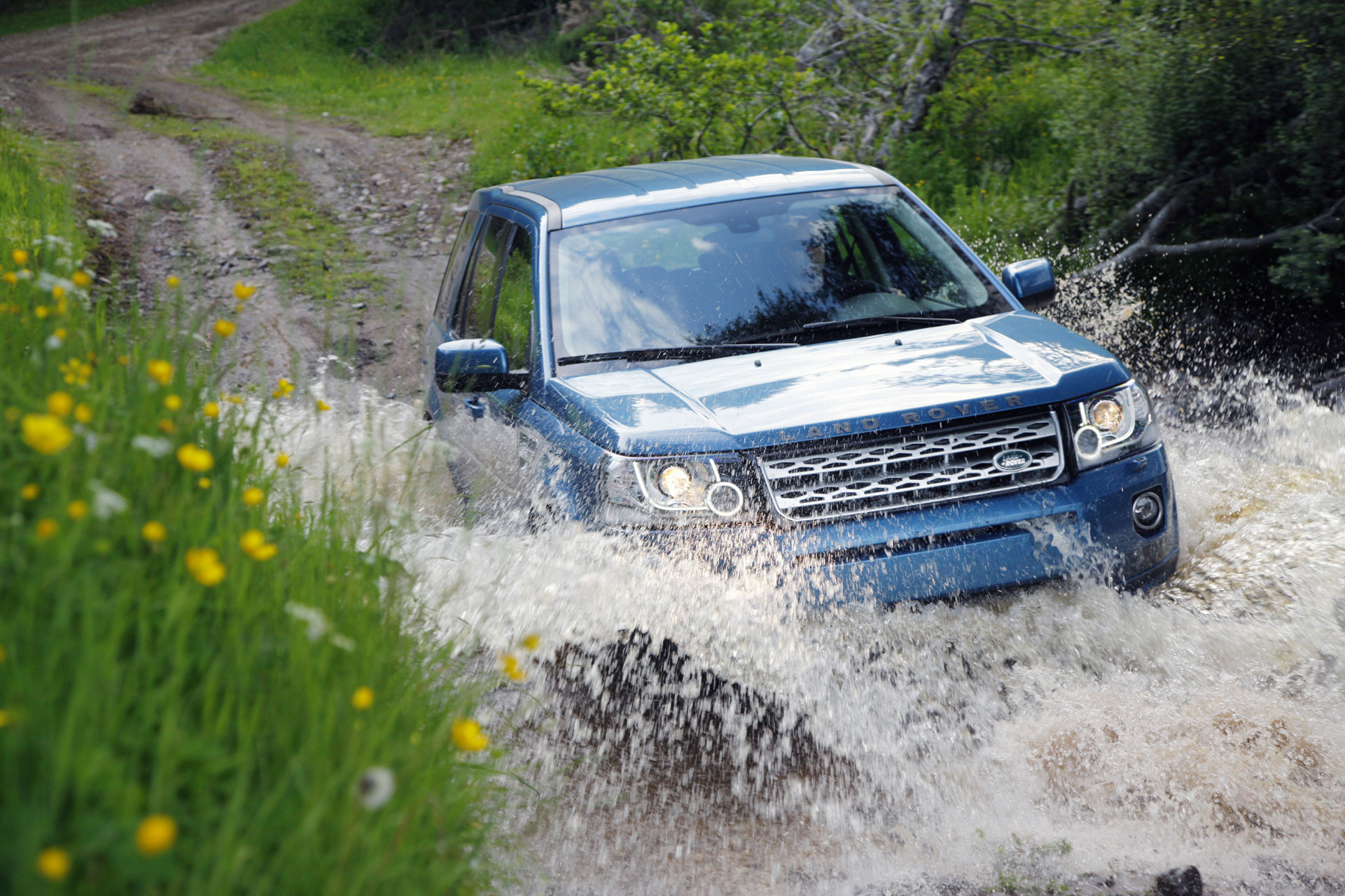 Manufacturer photo: Land Rover has given the 2013 LR2 a complete revision, delivering even higher levels of comfort, convenience and driving enjoyment