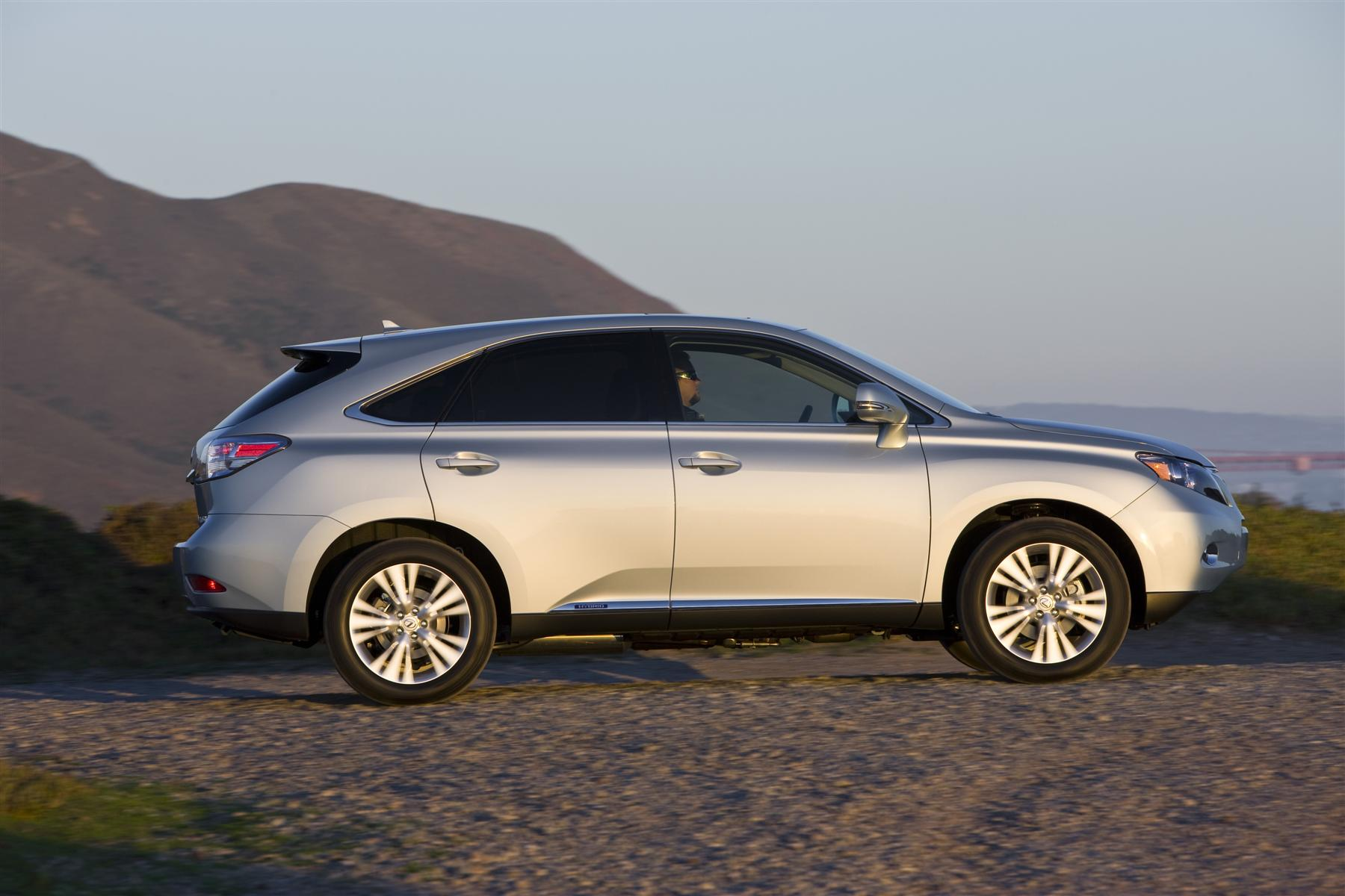 The Lexus RX Hybrid Powertrain Package Includes A 3.5 Liter, 24 Valve V 6  Atkinson Cycle Gas Engine, Plus Electric Motors/generators For Front And  Rear ...