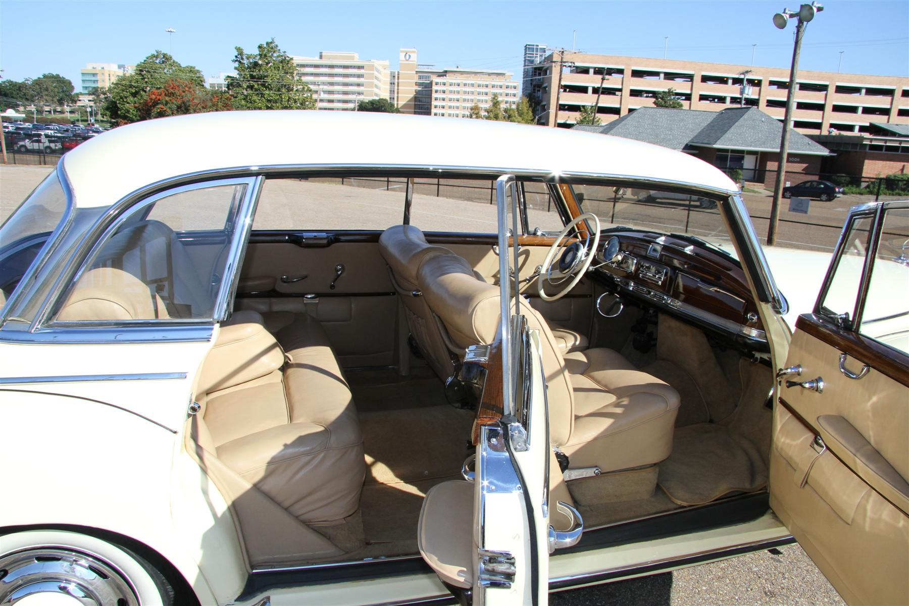 Hollywood Scene Stealer 1960 Mercedes Benz Classic Classics 300d Fuel Filter Among The Other Instruments In Handsome Dashboard 300ds Speedometer Is Prepared To Register Speeds Up 120 Miles Per Hour