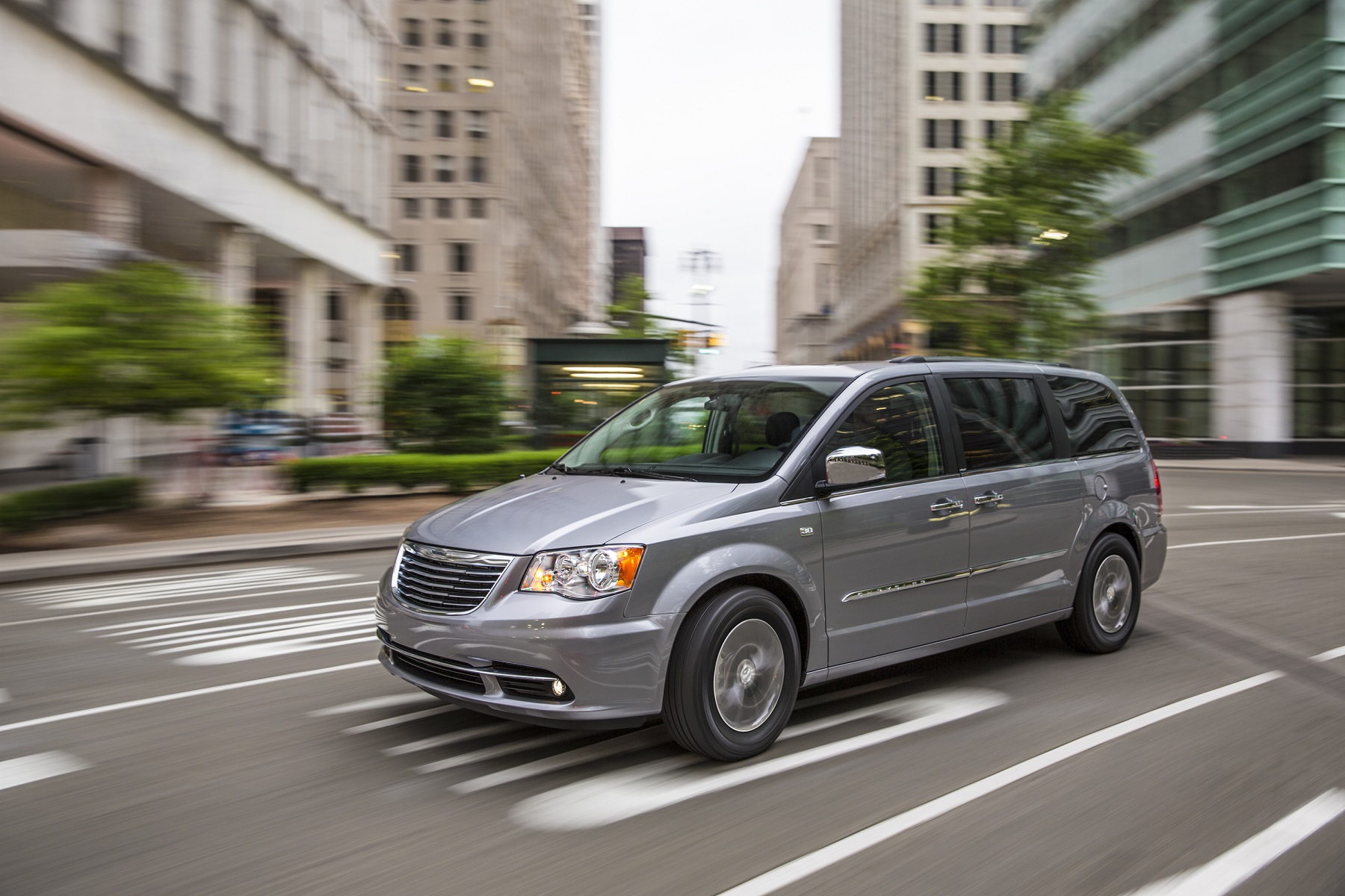 Manufacturer photo: The 2014 Chrysler Town & Country delivers an agile, confident driving experience