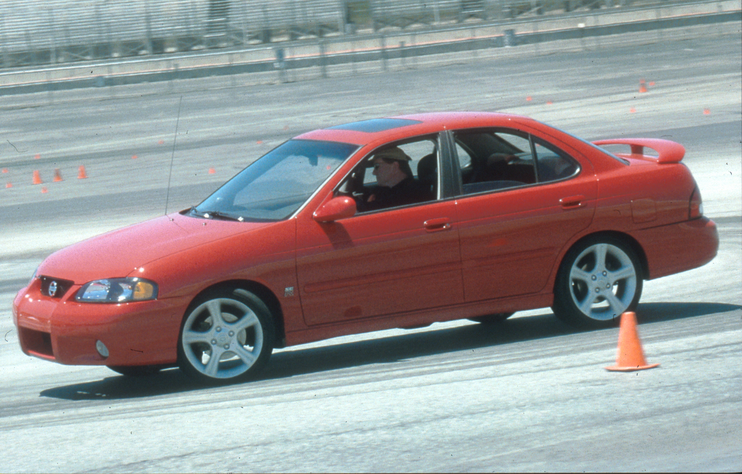 Manufacturer photo: 2002 Nissan Sentra