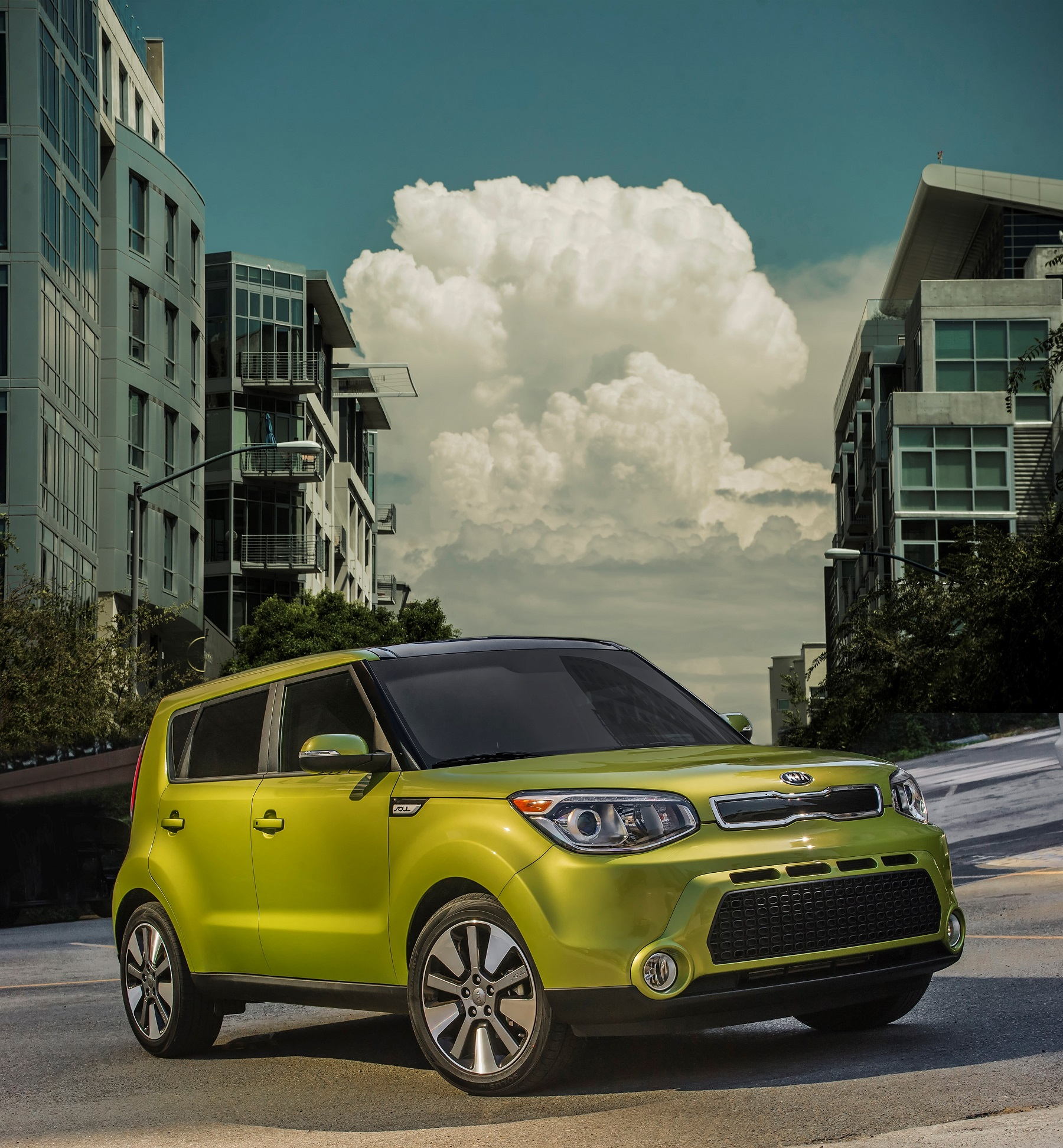 Manufacturer photo: The all-new Soul displays its own individuality through a blend of funky, fun-to-drive characteristics and premium upgrades intended to set it apart from the pack