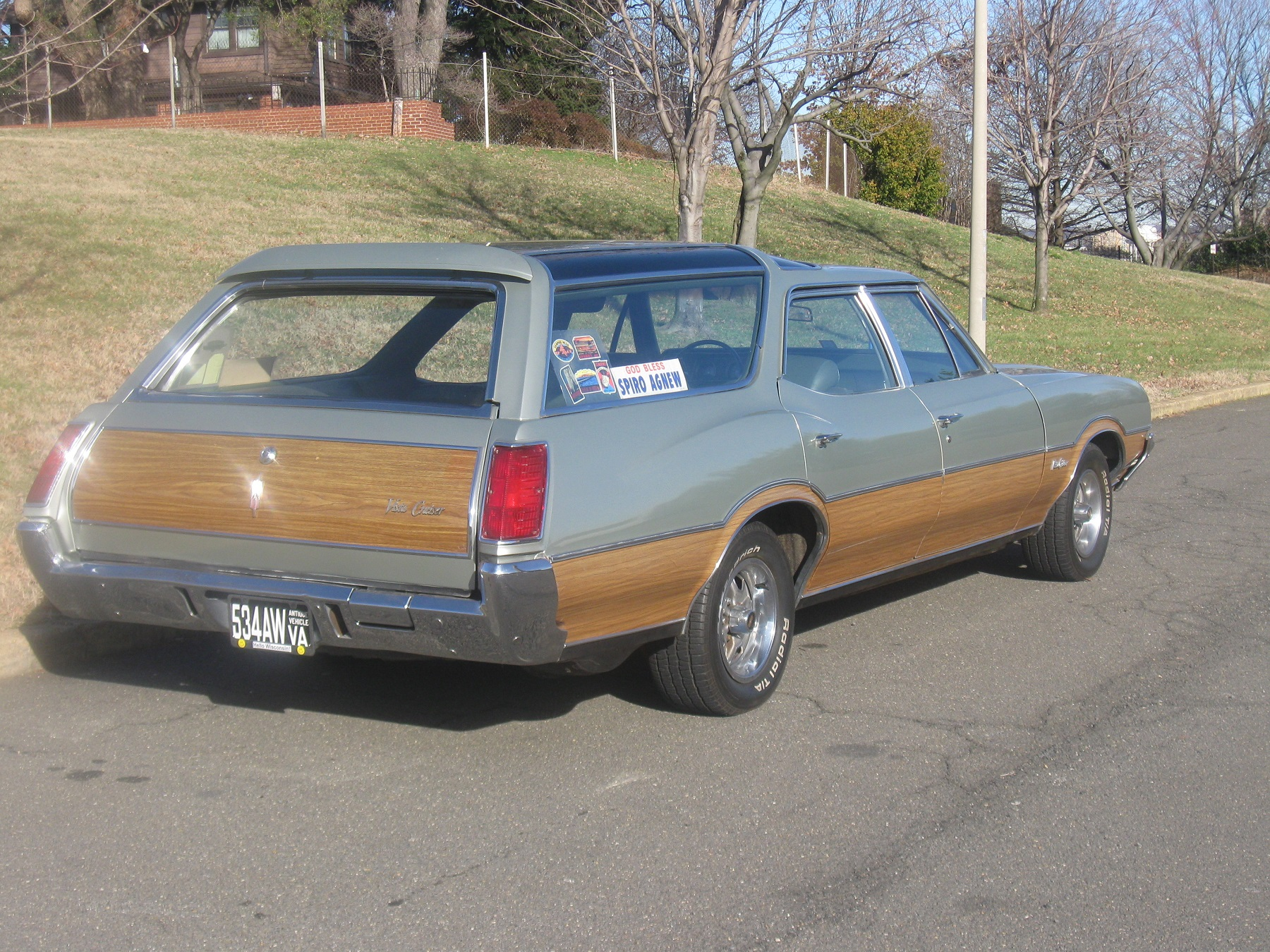 Must-Have: Fake Wood on Oldsmobile Wagon - Classic Classics ...