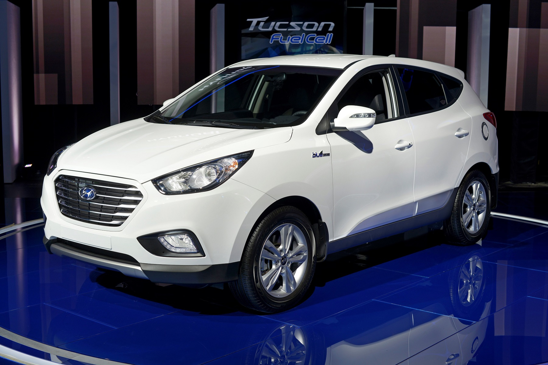 Manufacturer photo: Hyundai is introducing its Tucson Fuel Cell to alleviate the limitations of traditional battery electric vehicles