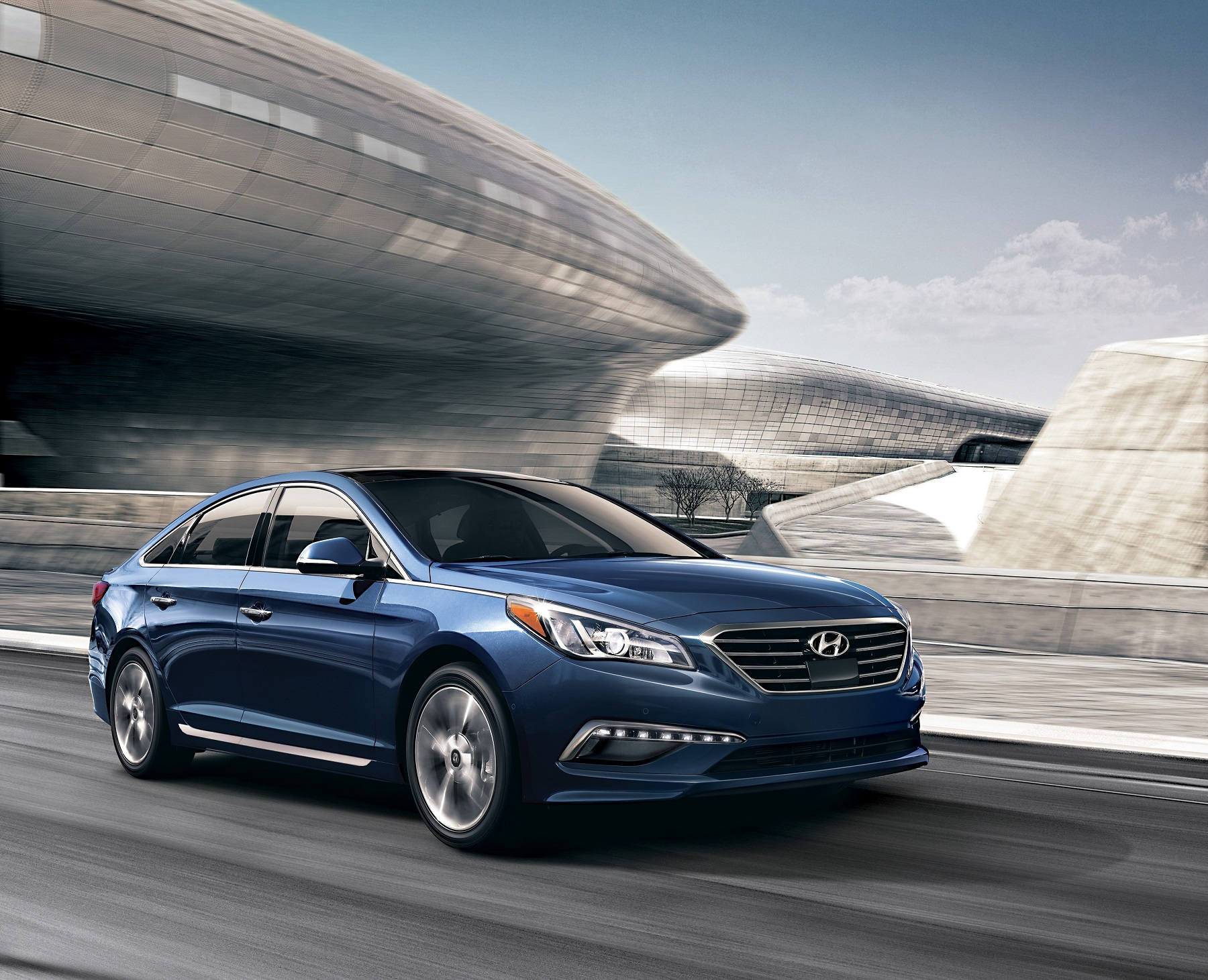 hyundai sonata 2015 exterior. this sonata epitomizes the essence of what consumers expect with exterior and interior styling that reflects hyundaiu0027s new design philosophy which focuses hyundai 2015