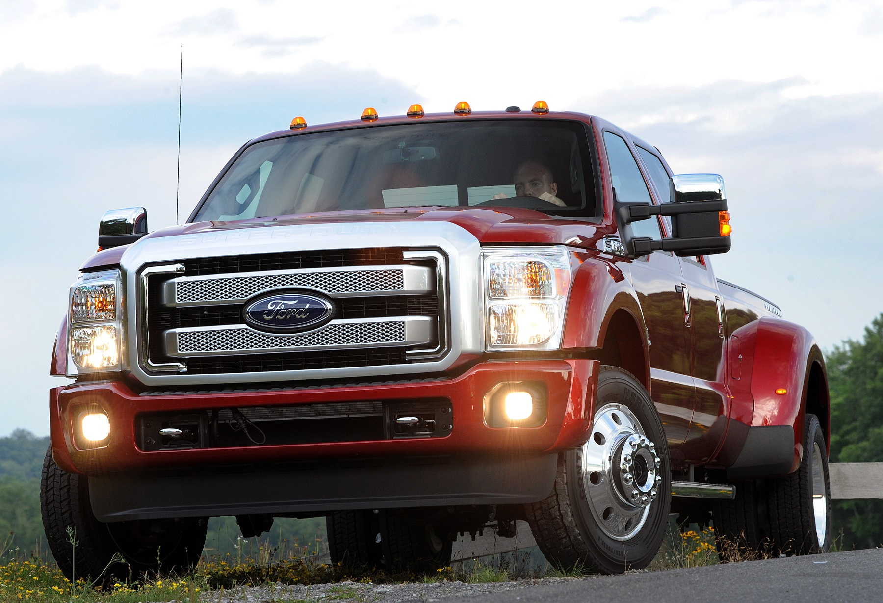 Manufacturer photo: The 2015 Super Duty achieves best-in-class towing performance with a second-generation Power Stroke engine that has been further developed to provide more power, torque and efficiency