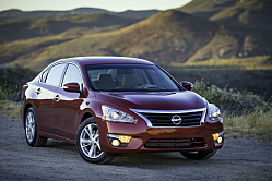 2015 Nissan Altima: Shifting Gears to Overtake