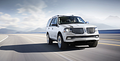 2015 Lincoln Navigator: Whale-Sized SUV