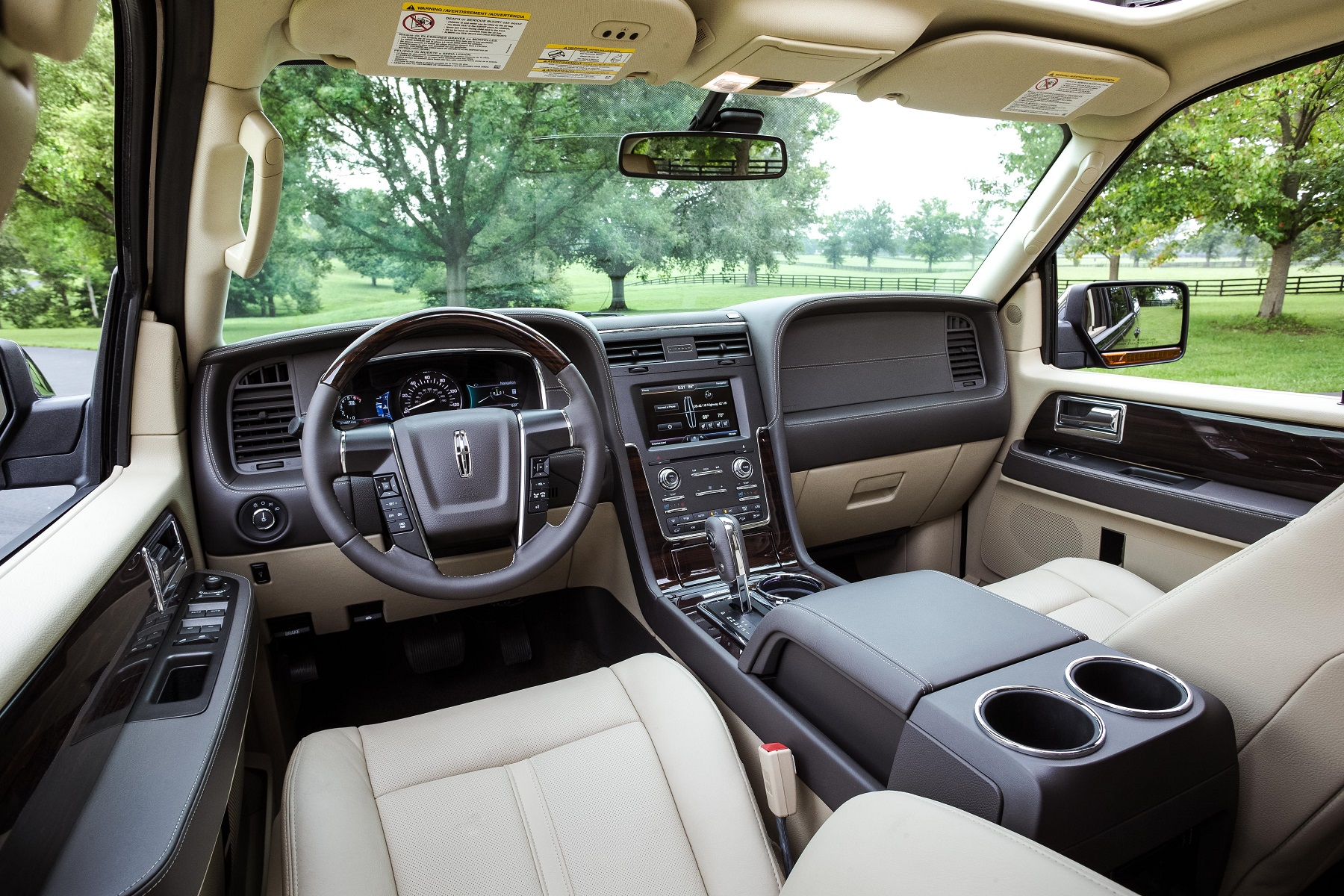 Manufacturer photo: The 2015 Lincoln Navigator offers a fresh interpretation of the classic vehicle that created the full-size luxury SUV segment