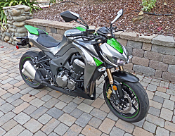 Kawasaki Z1000: Exceptional Naked Streetfighter