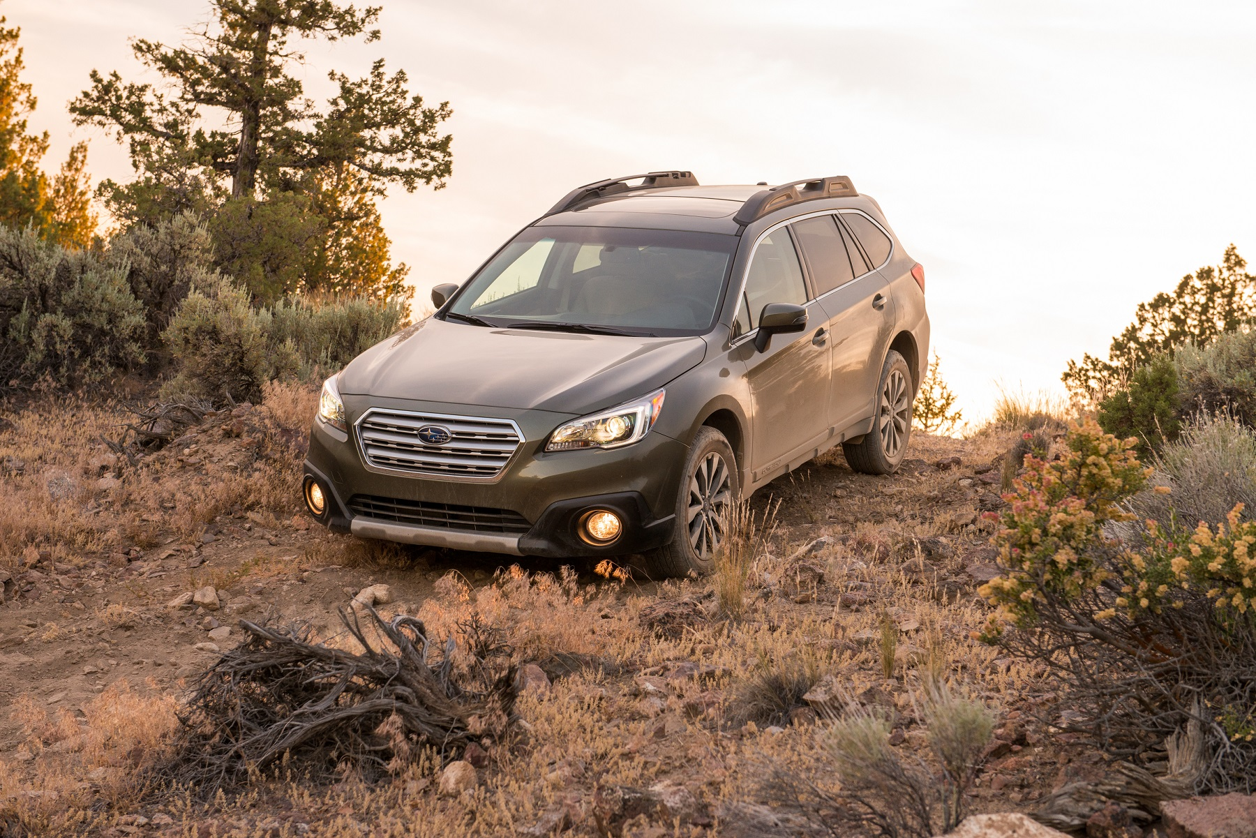 subaru outback ability to track true get off the road groovecar. Black Bedroom Furniture Sets. Home Design Ideas