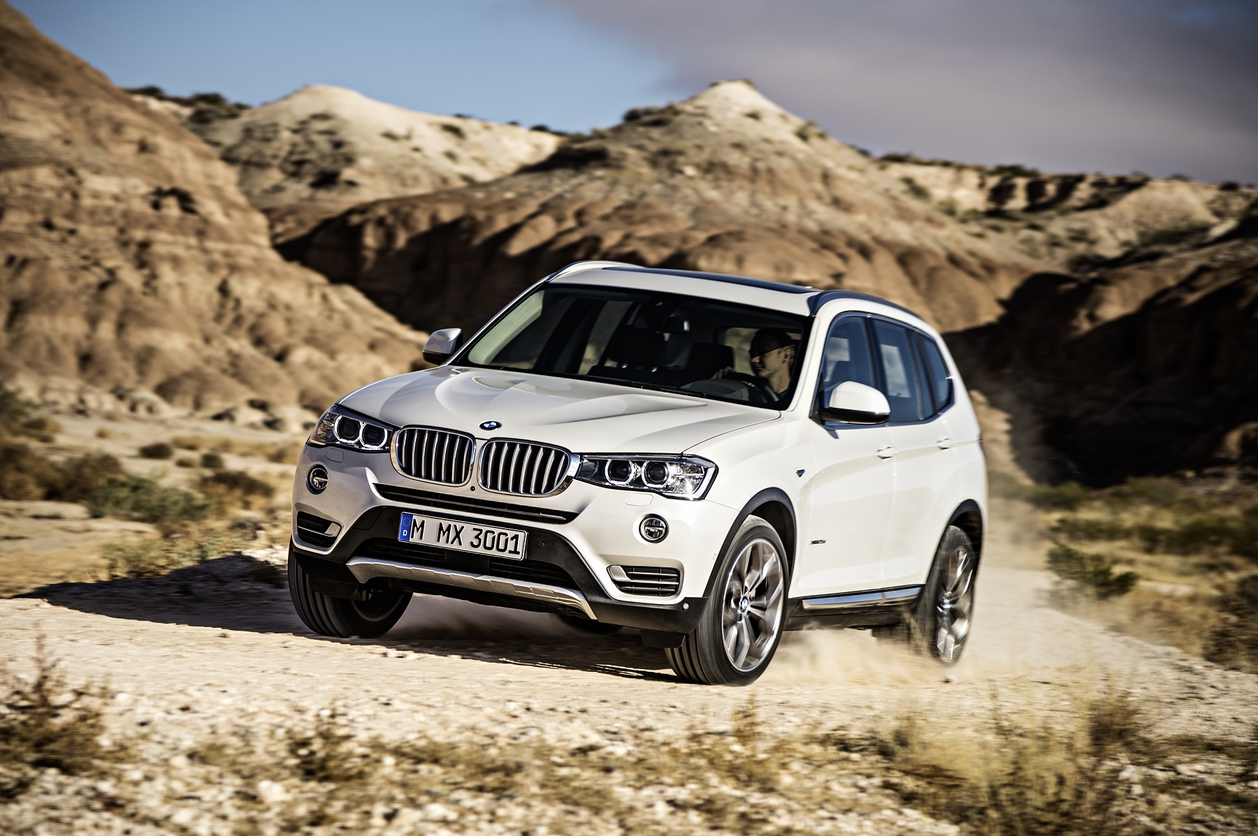 BMW X3 Easily Handles Light Trails Get f the Road GrooveCar