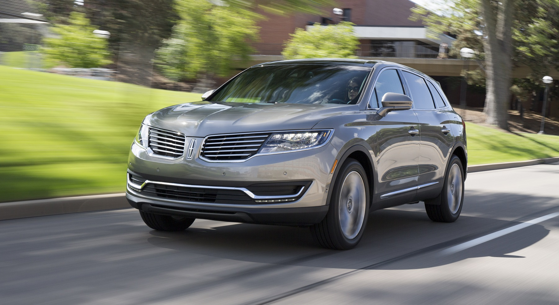 lincoln mkx crossover is all new for 2016 new on wheels groovecar. Black Bedroom Furniture Sets. Home Design Ideas