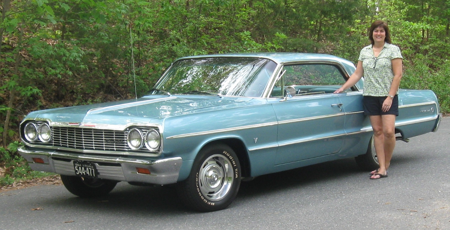 New Chevelle Ss >> 1964 Chevrolet Impala: Always a Family Car - Classic Classics - - GrooveCar