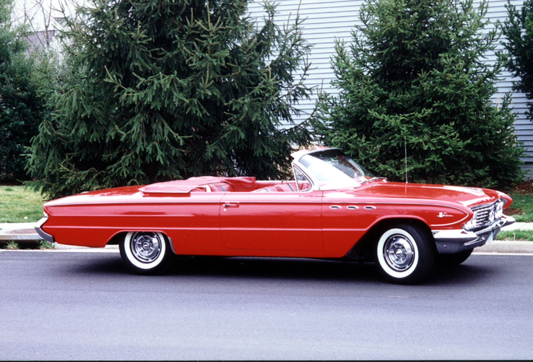"""red convertible Free essay: chase brown oliva 9/22/12 english 102 short story analysis: the red convertible """"the red convertible"""" by louise erdrich is a short story about."""
