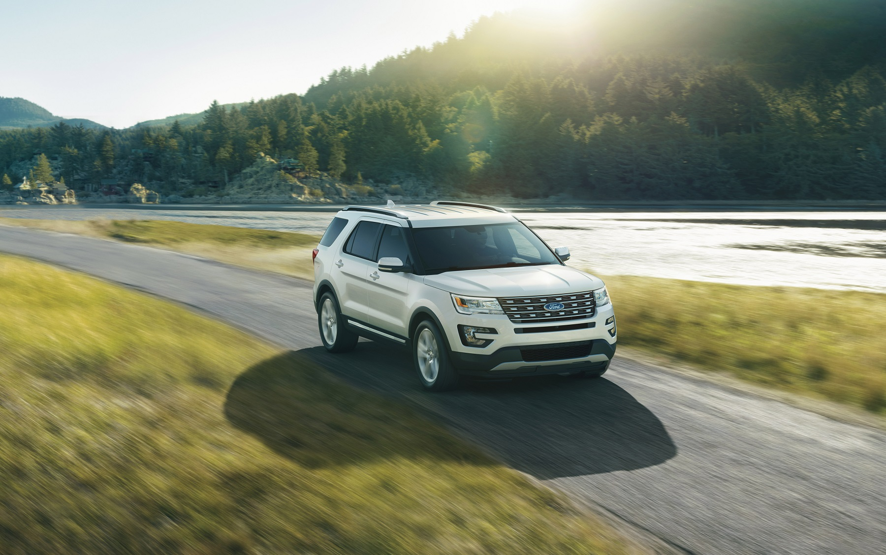 With the addition of the platinum the ford explorer is now available in five trim levels base xlt limited and sport