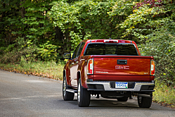 GMC Canyon: New Turbodiesel Option for 2016