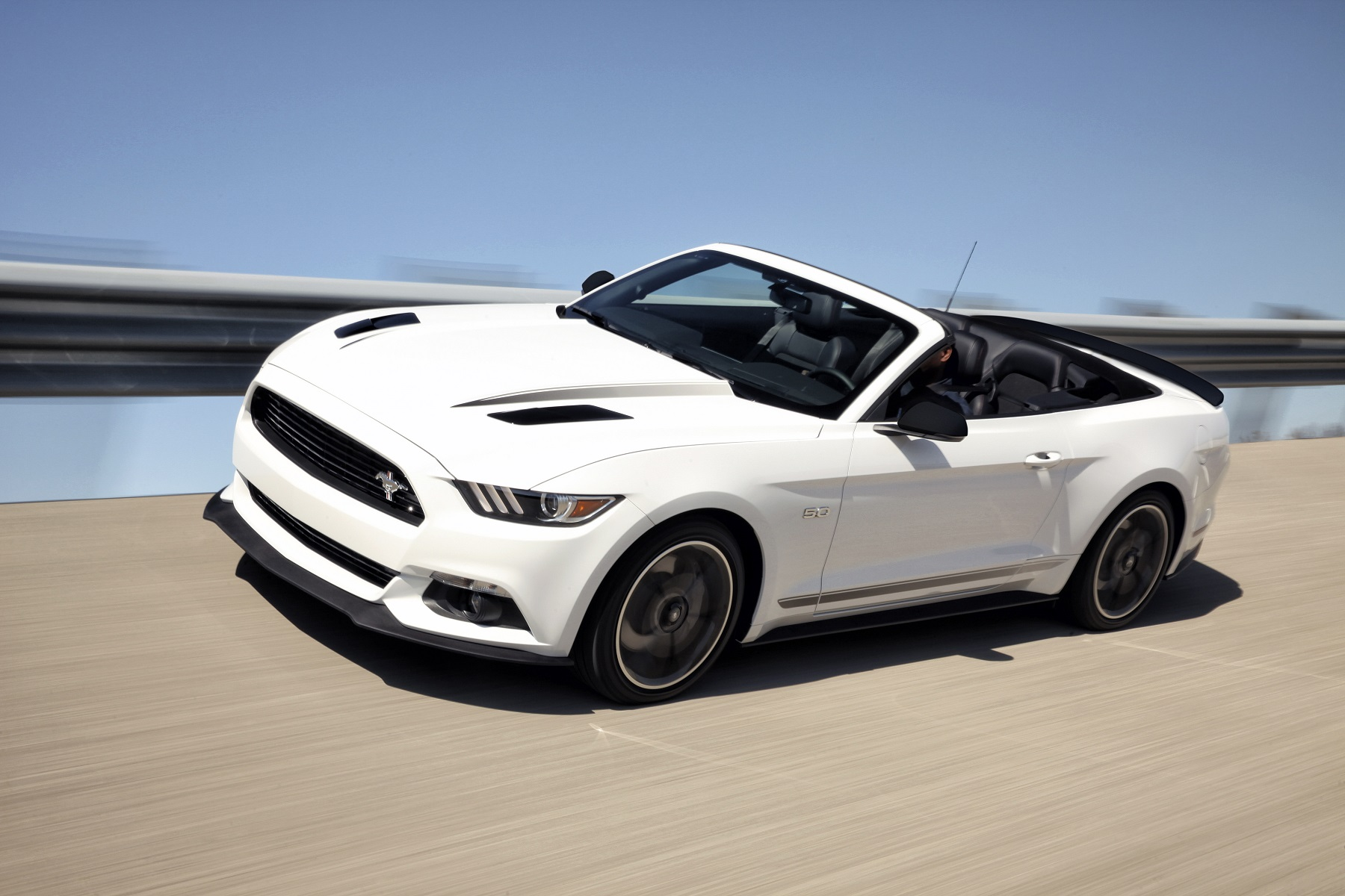 Manufacturer photo enhancing the 2016 ford mustangs beauty is the new for 2016