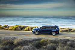 2017 Chrysler Pacifica: Time is Right for Hybrid Minivan