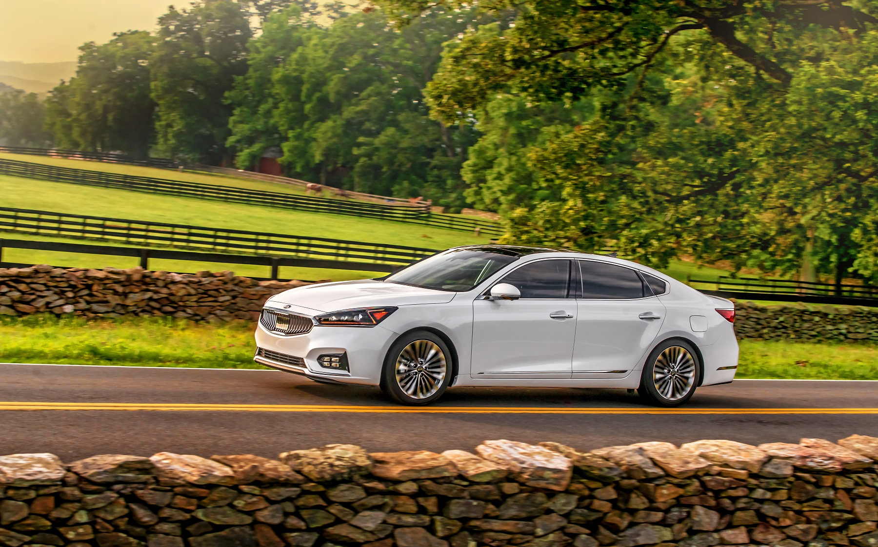 Manufacturer photo: The all-new 2017 Kia Cadenza boasts precisely crafted cabin, cutting edge technology for connectivity and driver assistance, a stronger body structure, and powertrain enhancements for a more premium experience behind the wheel
