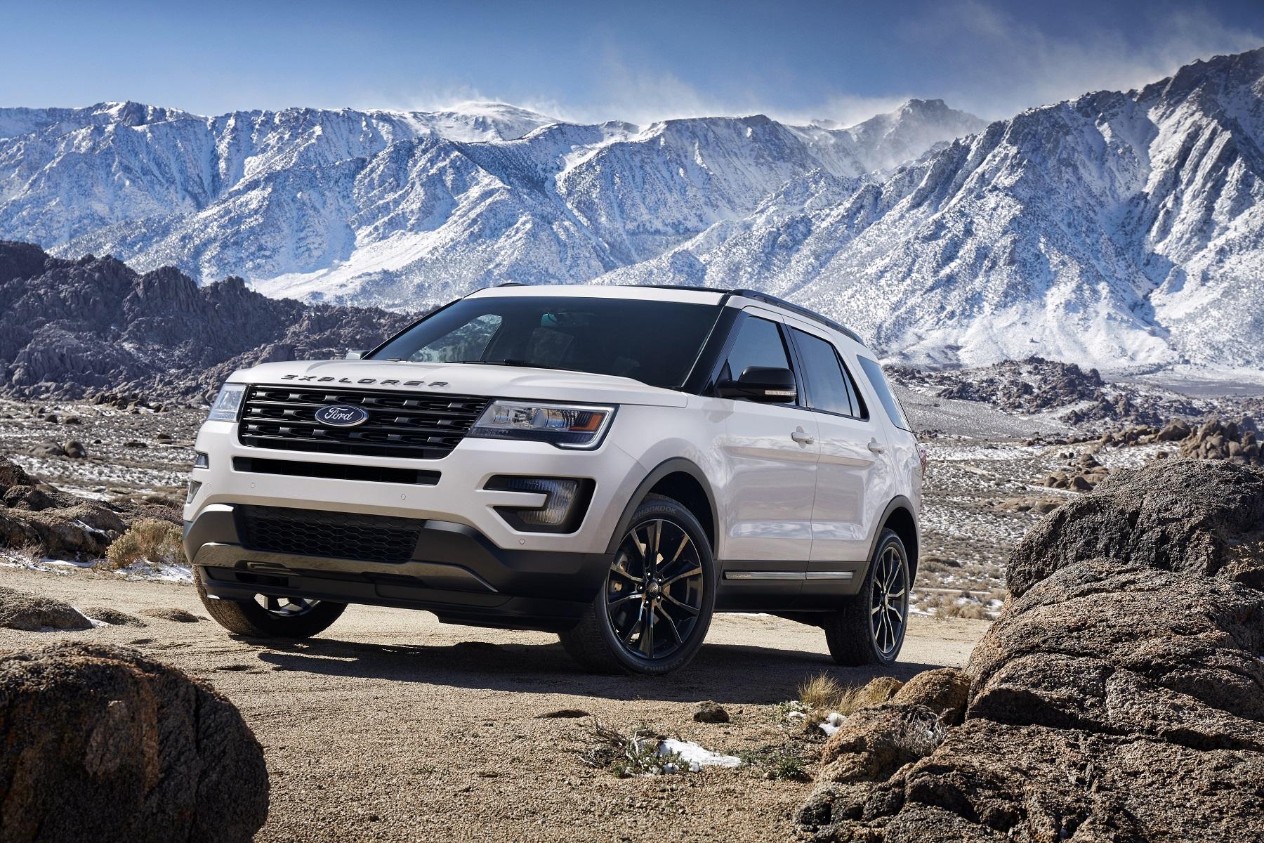 2017 Ford Explorer Platinum Luxury Bonus Wheels GrooveCar